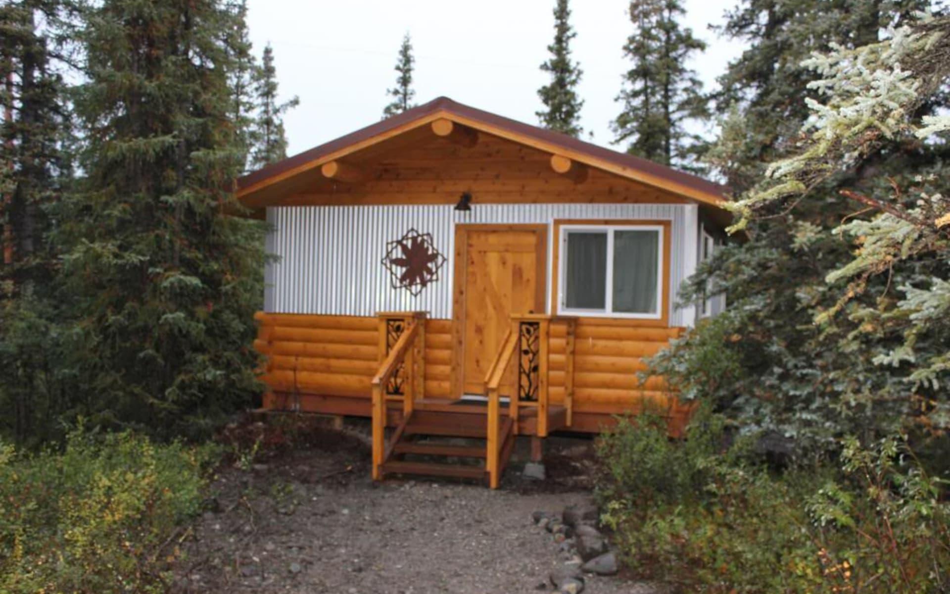 Tonglen Lake Lodge in Denali National Park:  Tonglen Lake Lodge Cabin