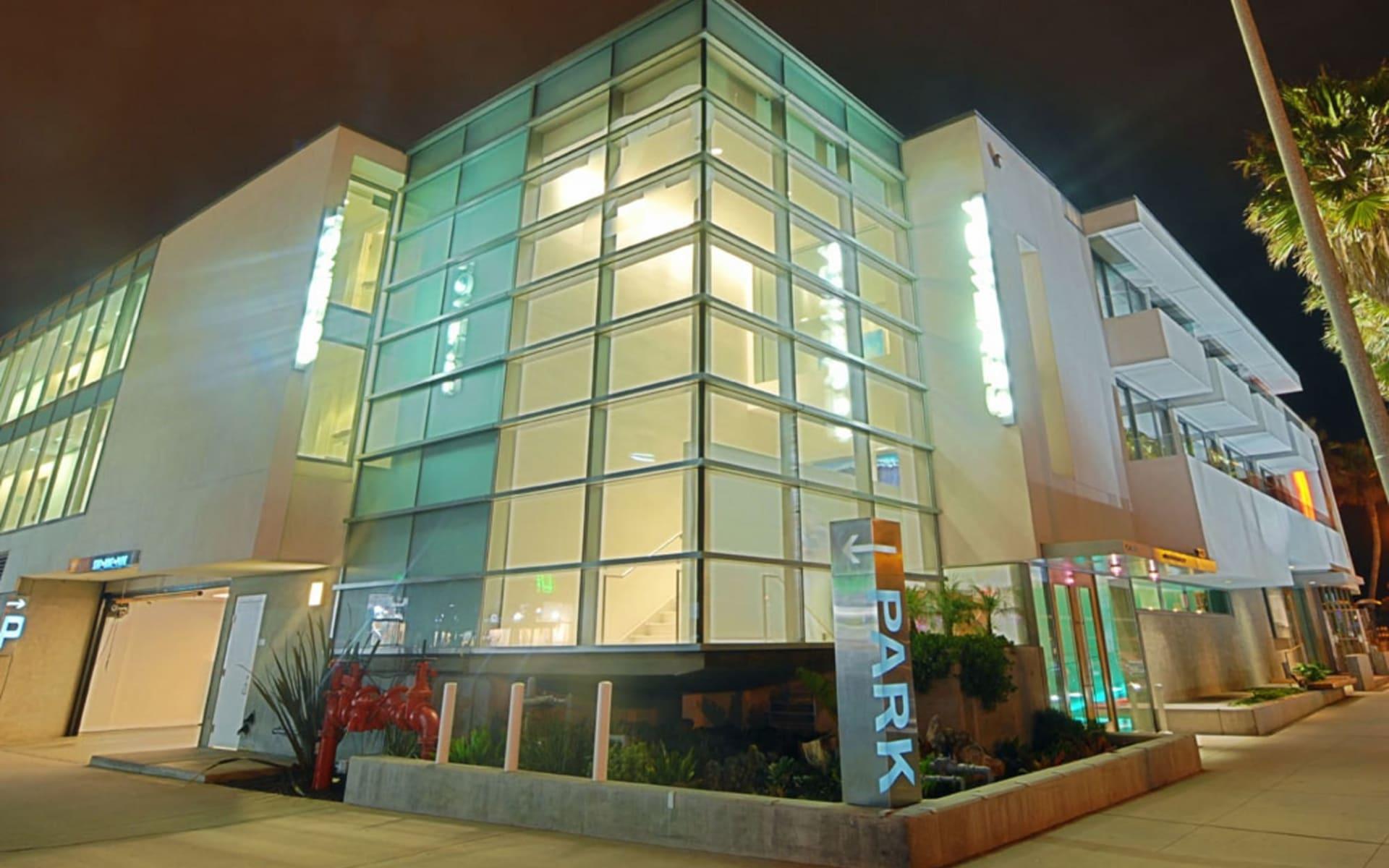 Tower 23 Hotel in San Diego: Exterior_Tower 23_Aussenansicht bei Nacht_Bonotel