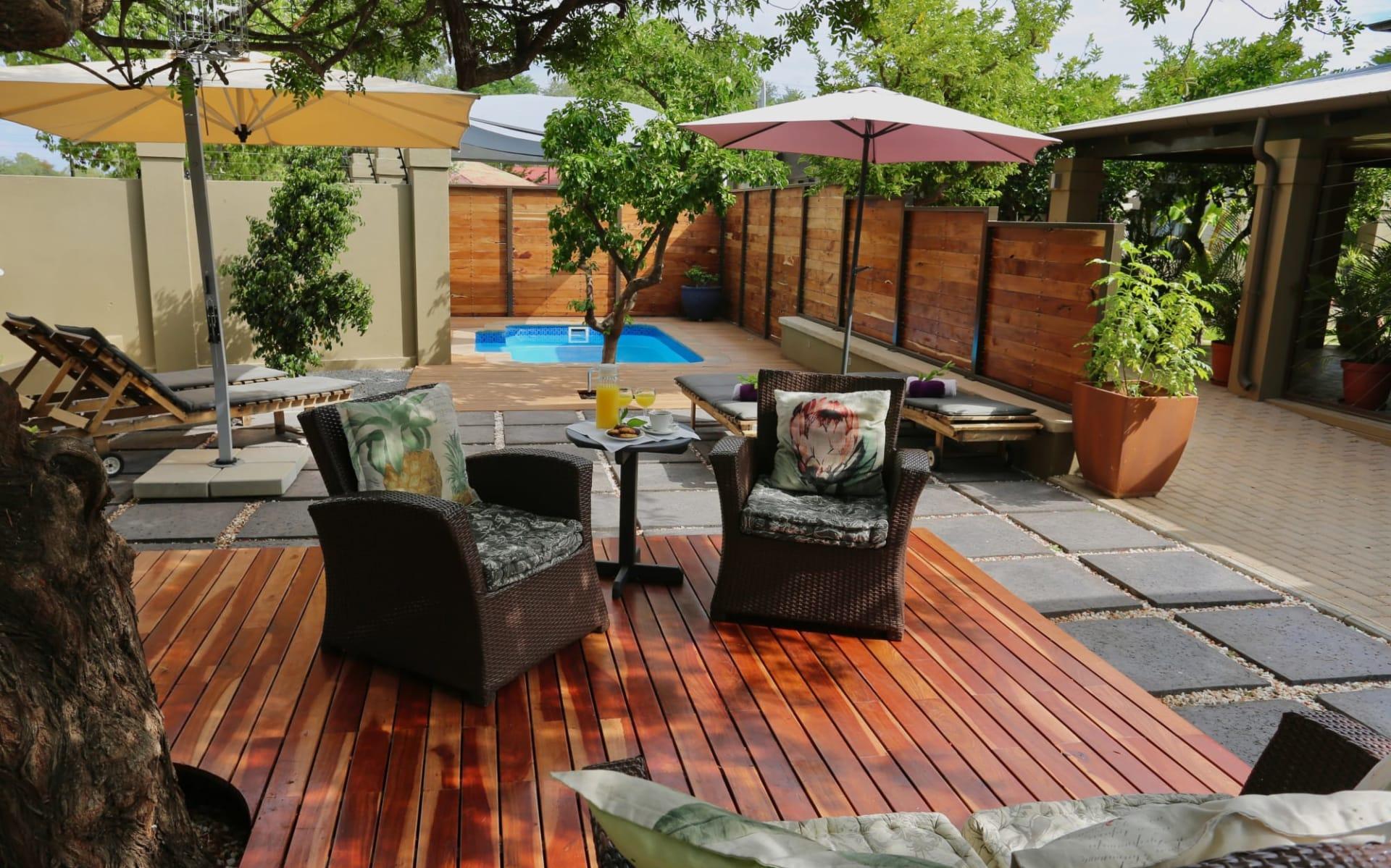 Villa Violet in Windhoek Stadt: exterior Villa Violet - Swimmingpool mit Loung