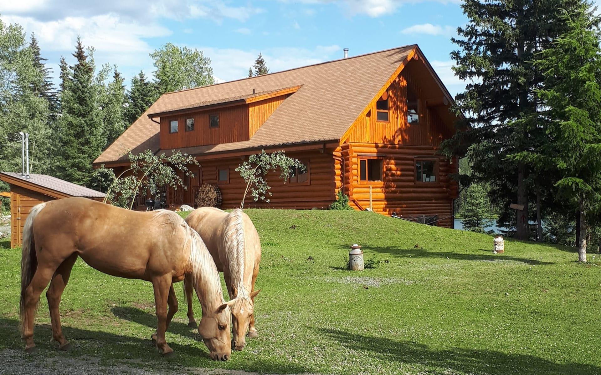 Wettstone Guest Ranch in Bridge Lake: Exterior_Wettstone Guest Ranch_Aussenansicht_CSM