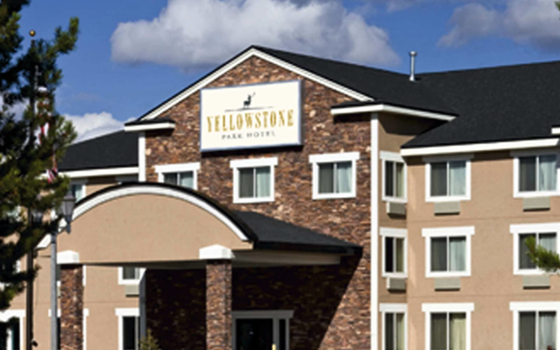 Yellowstone Park Hotel in West Yellowstone: exterior yellowstone park hotel at west yellowstone hotelgebäude