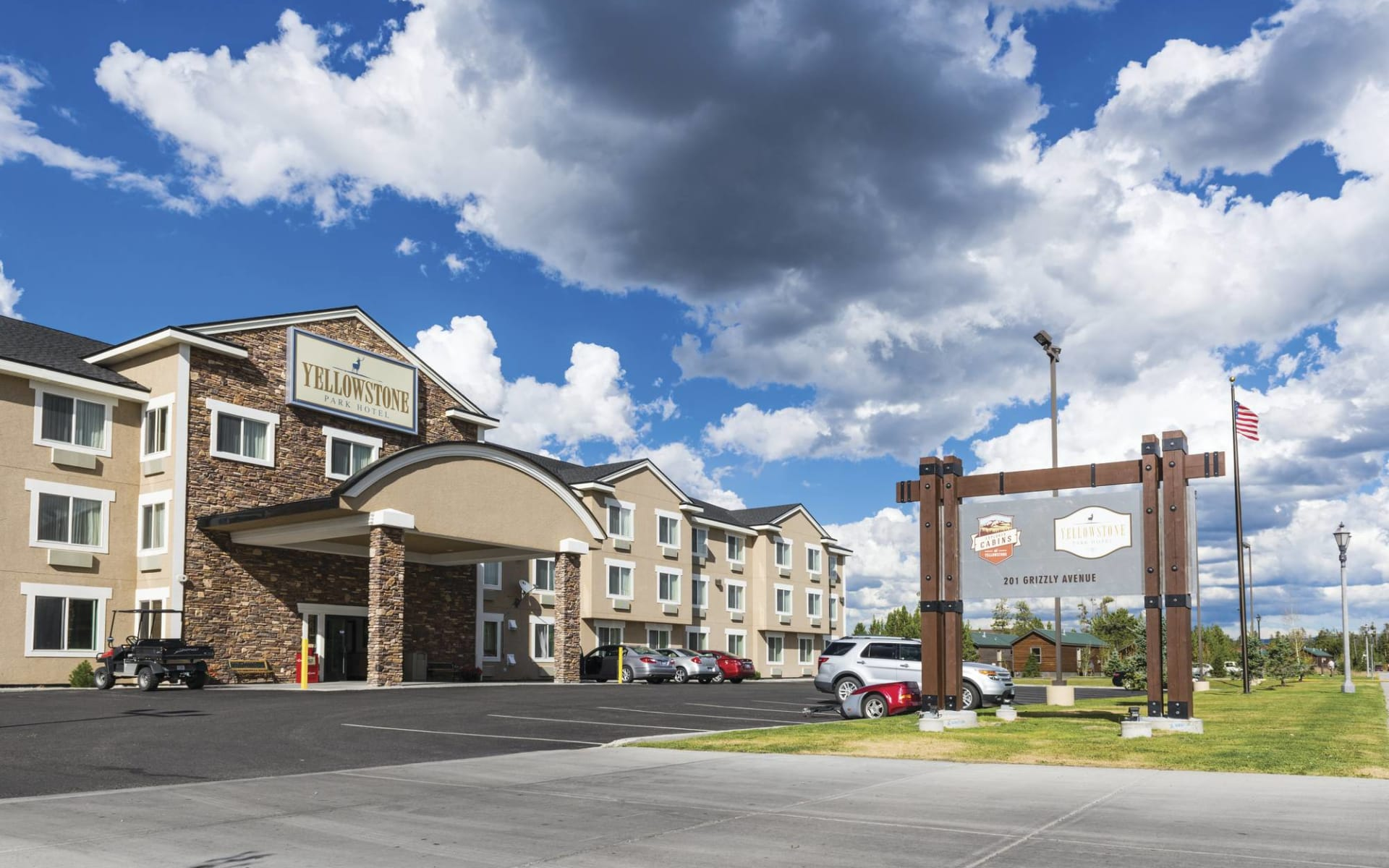 Yellowstone Park Hotel in West Yellowstone: Exterior_Yellowstone Park Hotel_Aussenansicht