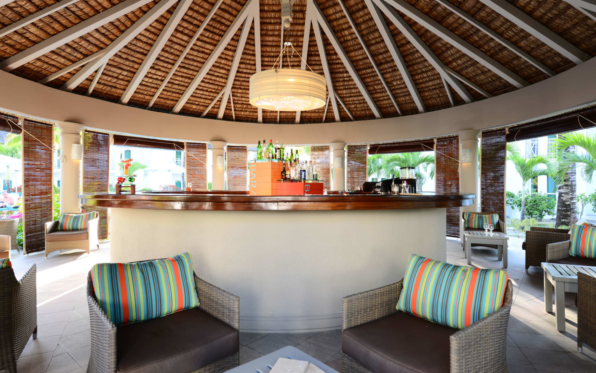 Veranda Palmar Beach in Belle Mare:  Baracuda Bar