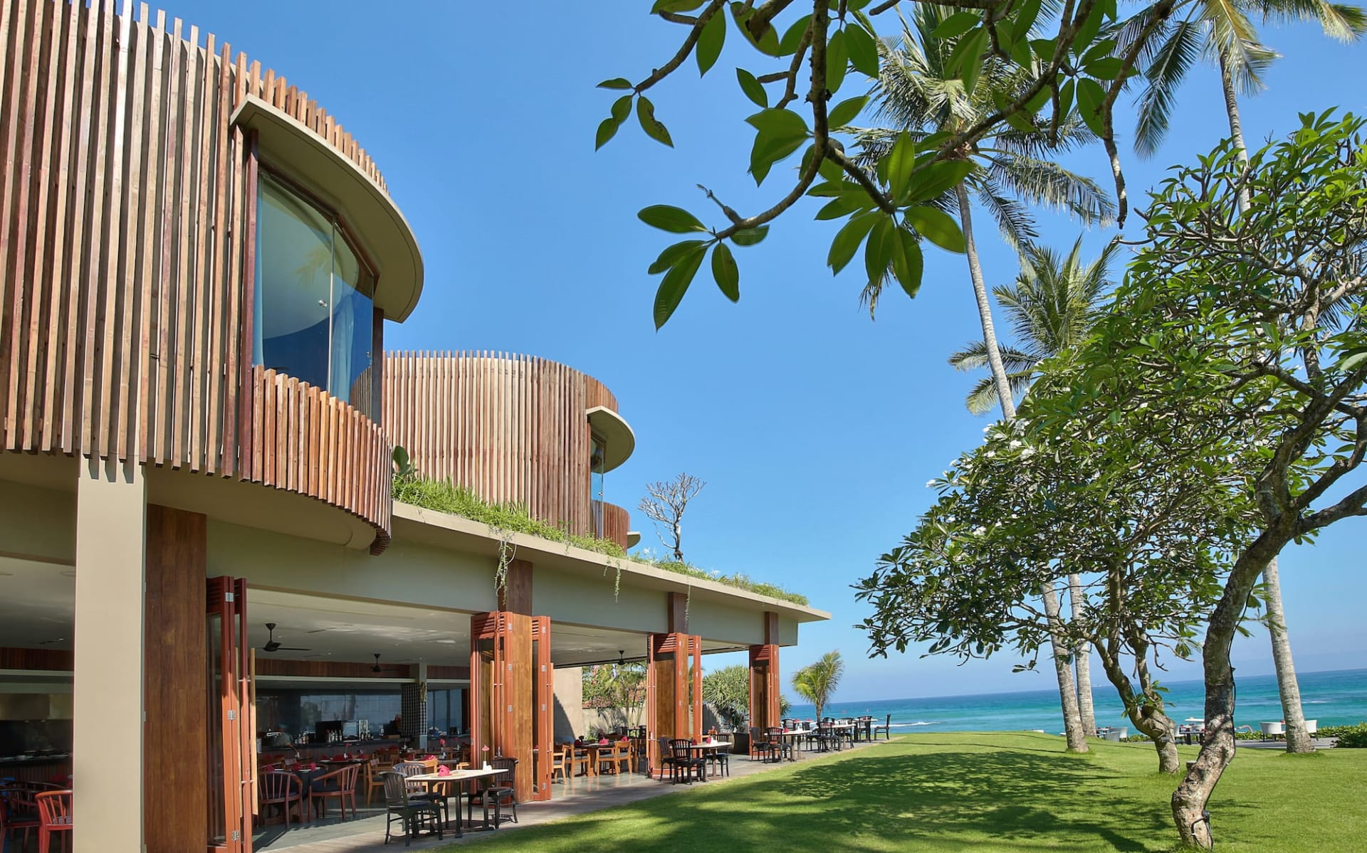 Candi Beach Resort & Spa in Ostbali: Beachfront Restaurant