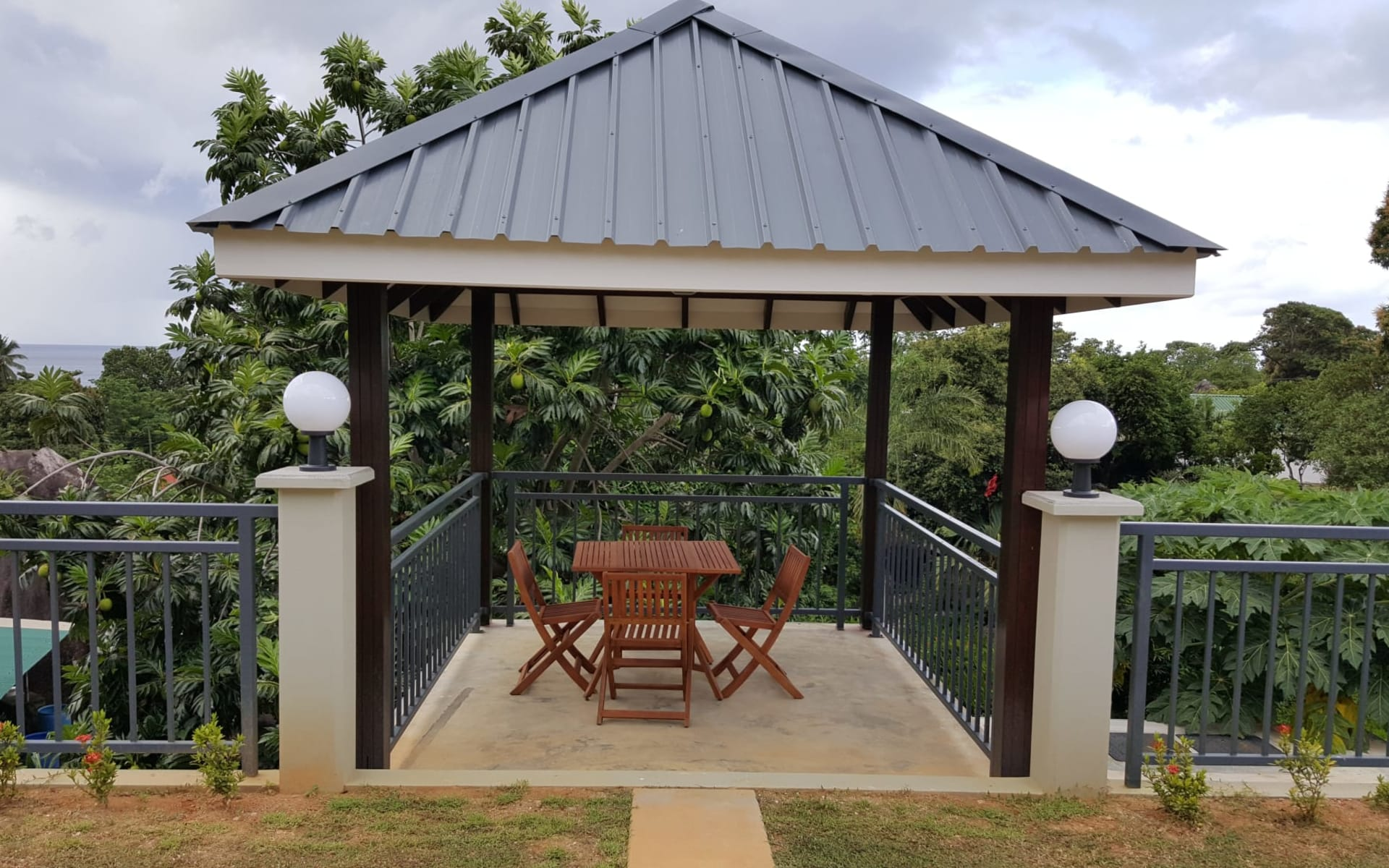 Bambous River Lodge in Mahé:  Gazebo