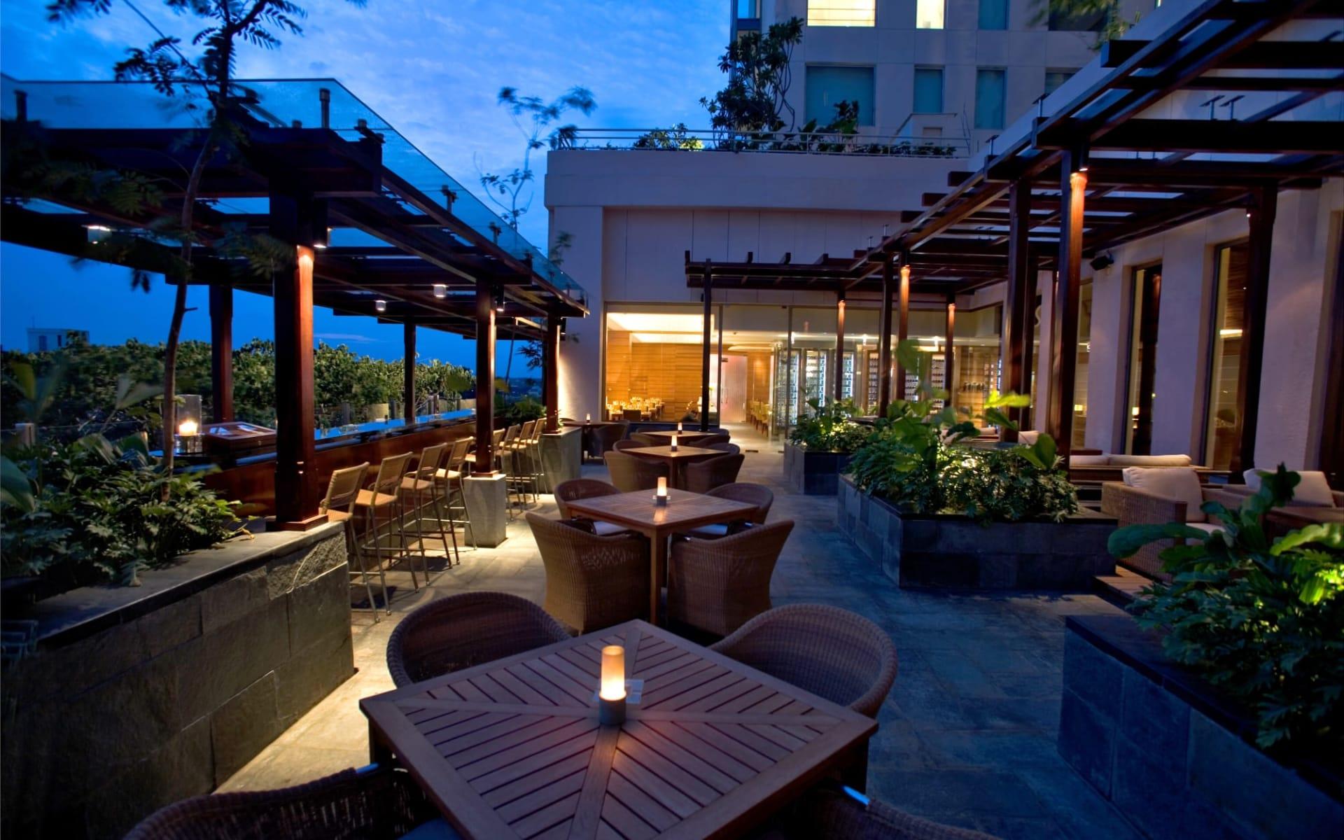 Hyatt Centric MG Road Bangalore in Bengaluru: Liquid Lounge & Bar