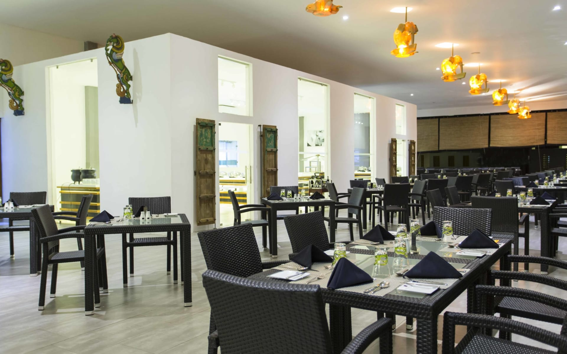 Aliya Resort & Spa in Sigiriya: Main Restaurant