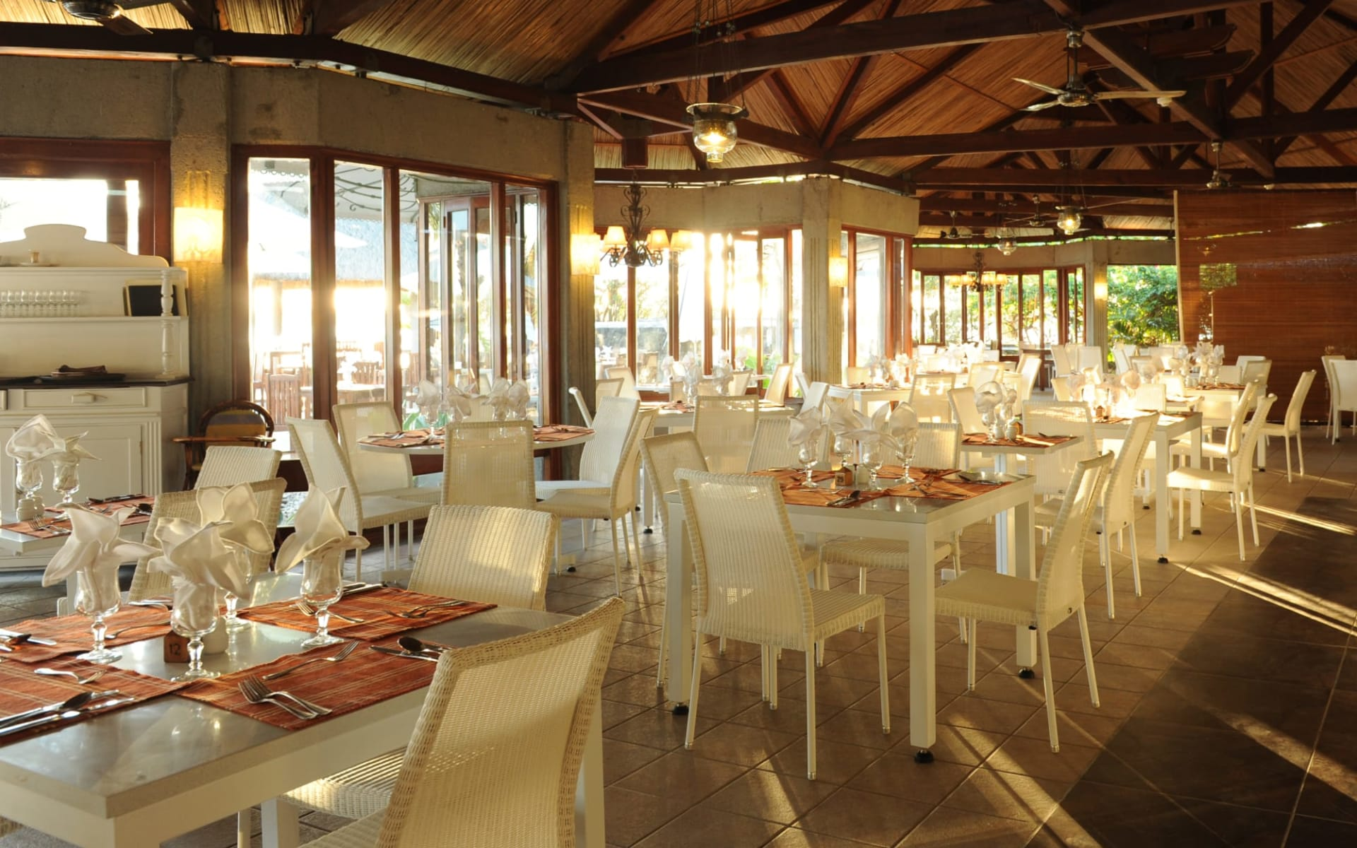 Veranda Grand Baie Hotel & Spa:  Poudre d'Or Restaurant