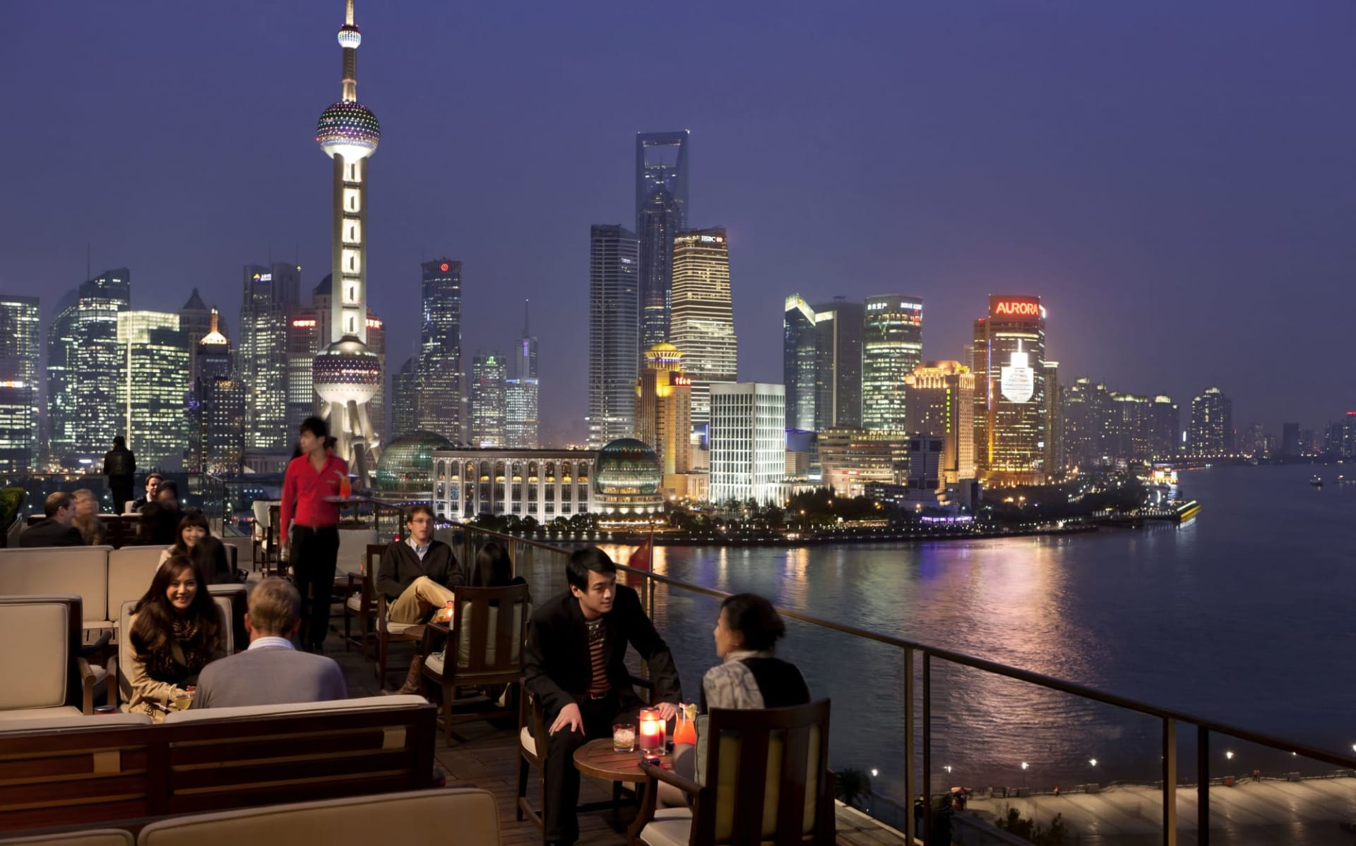 The Peninsula in Shanghai: Sir Elly's Terrace