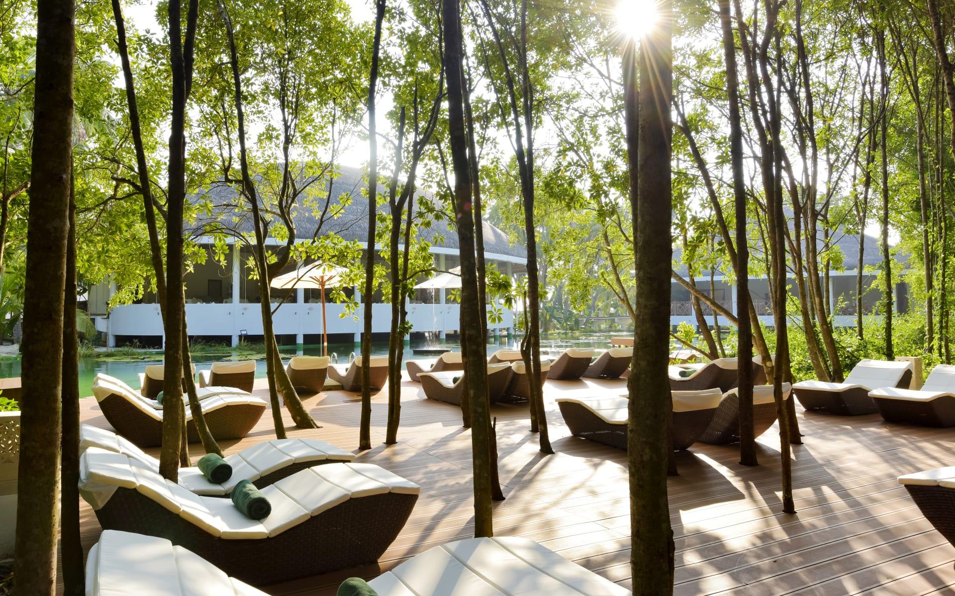 Dreamland The Unique Sea & Lake Resort / Spa in Baa-Atoll:
