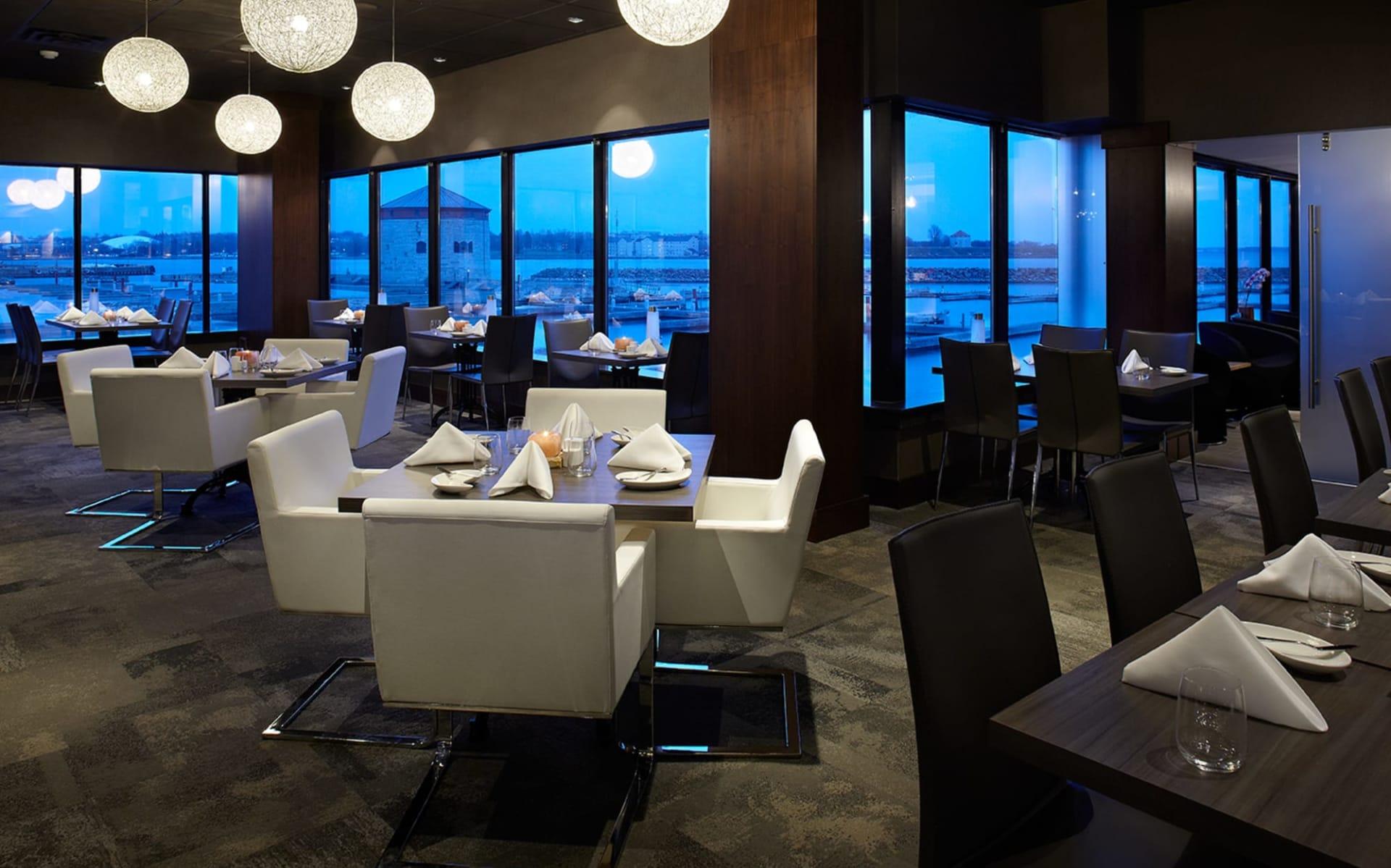 Delta Kingston Waterfront Hotel: facilities_Delta Kingston Waterfront Hotel_RestaurantAquaTerra