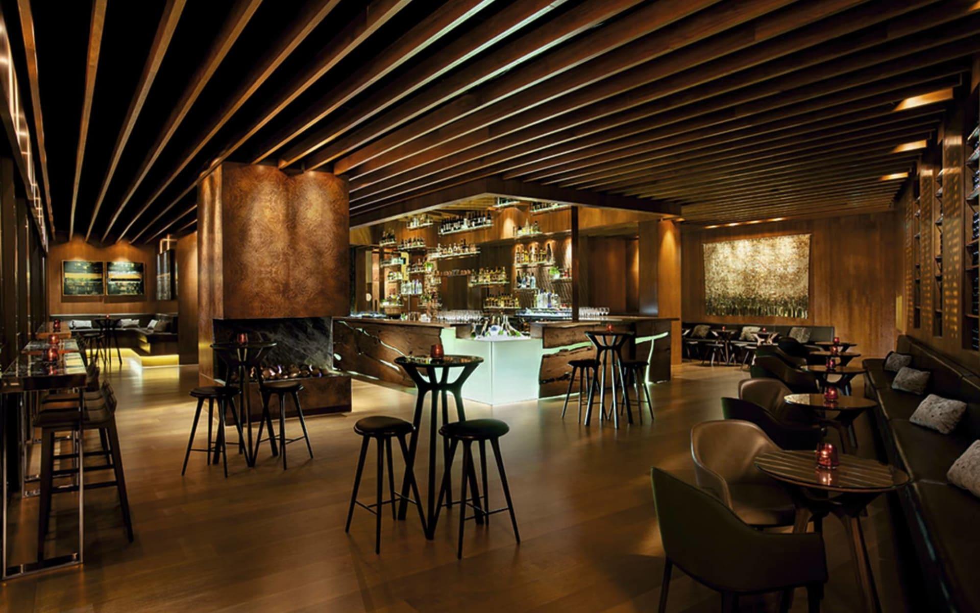 Four Seasons Hotel Sydney:  Four Seasons Hotel Sydney - Bar/ Restaurant