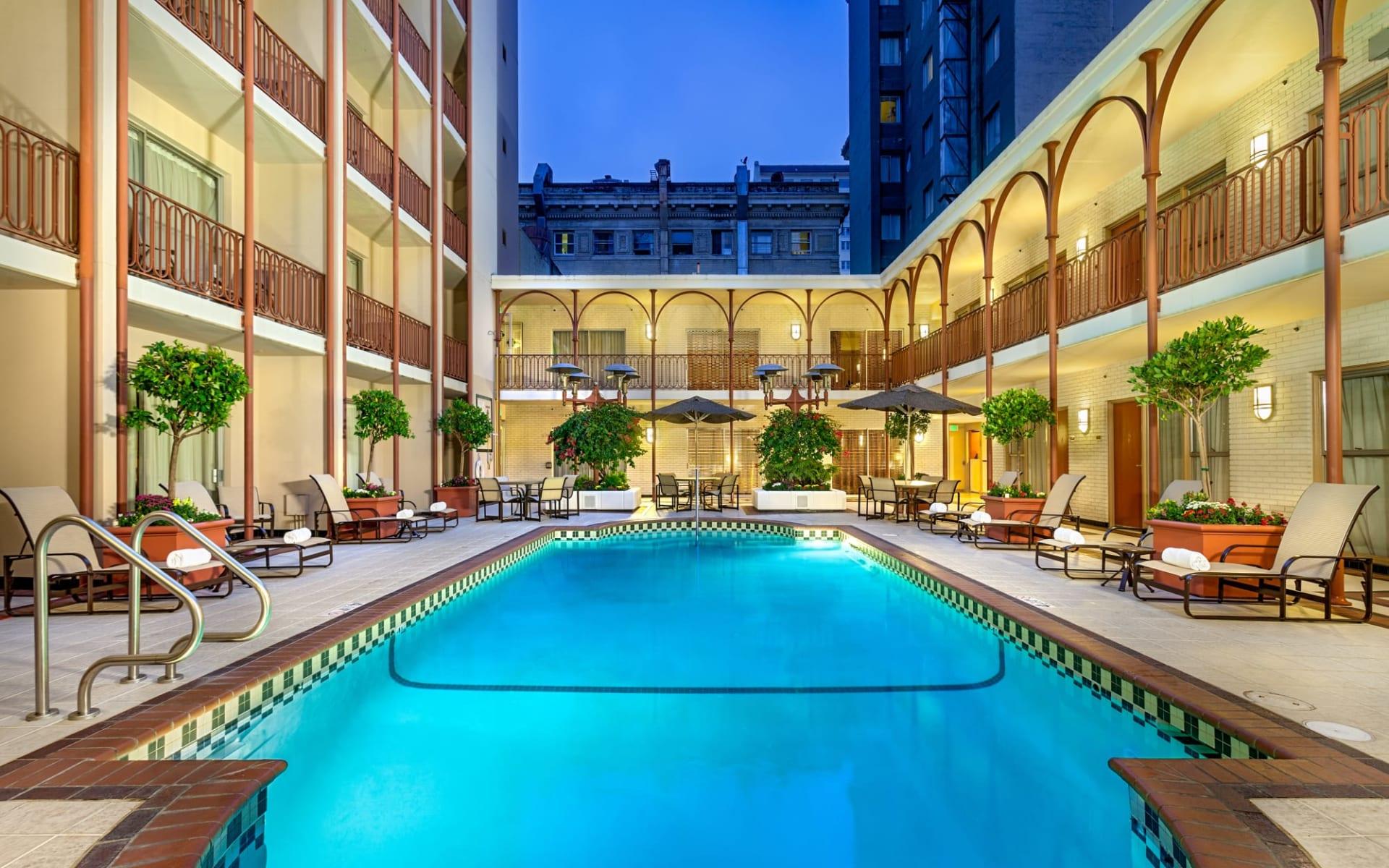 Handlery Union Square in San Francisco:  Handlery Union Square Hotel_Pool_BON