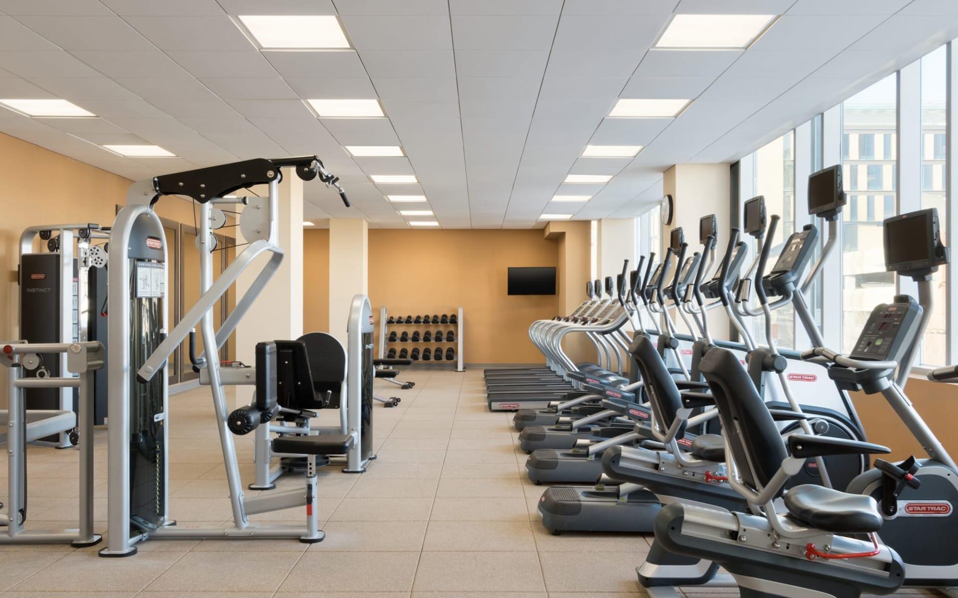Hilton Garden Inn Calgary Downtown: Facilities_Hilton Garden Inn YYC Downtown_Fitnessraum_Jonview