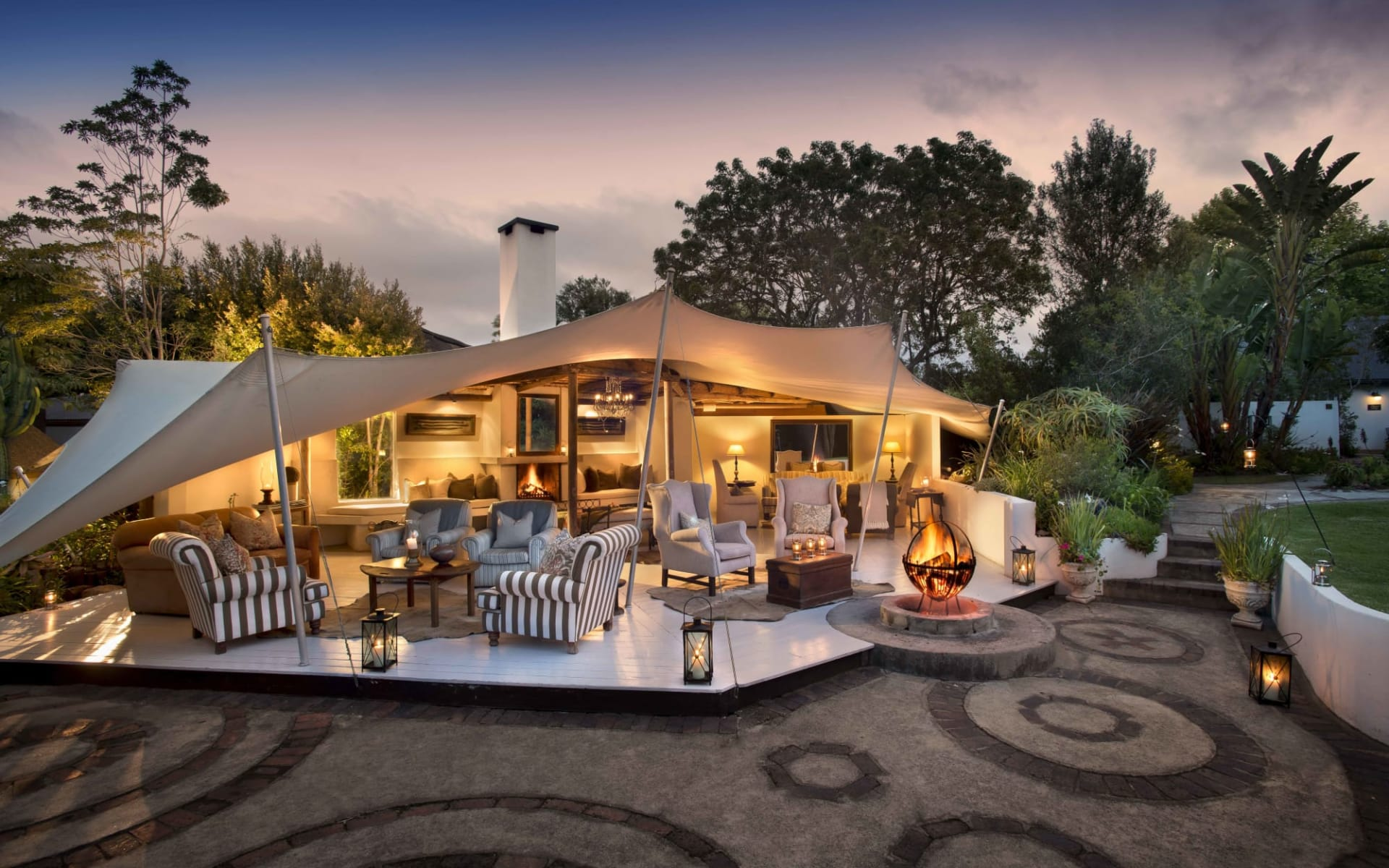 Hunter's Country House in Plettenberg Bay: facilities Hunter Country House - Lounge im Garten