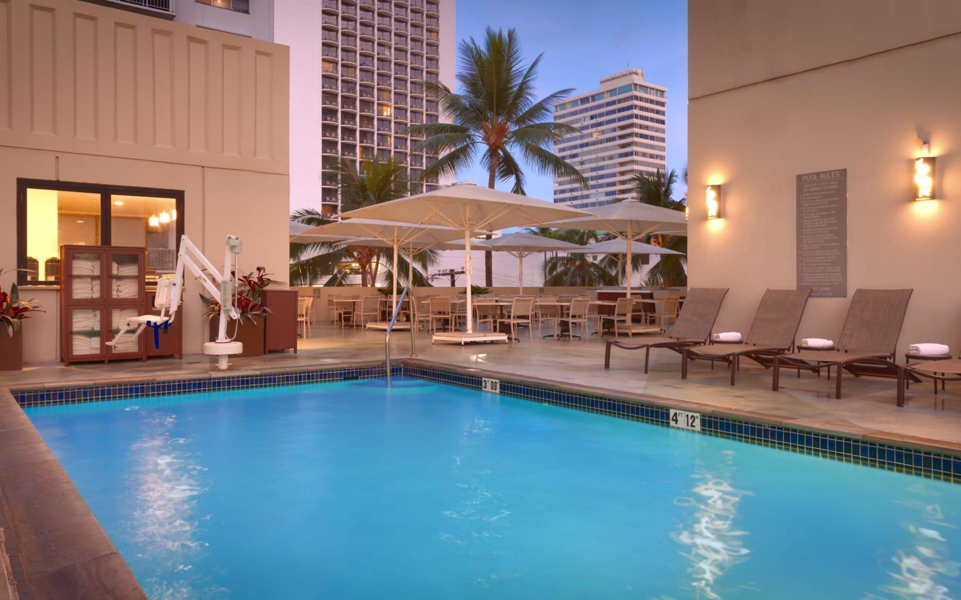 Hyatt Place Waikiki Beach in Honolulu - Oahu: Facilities_Hyatt Place Waikiki Beach_Pool_ATI
