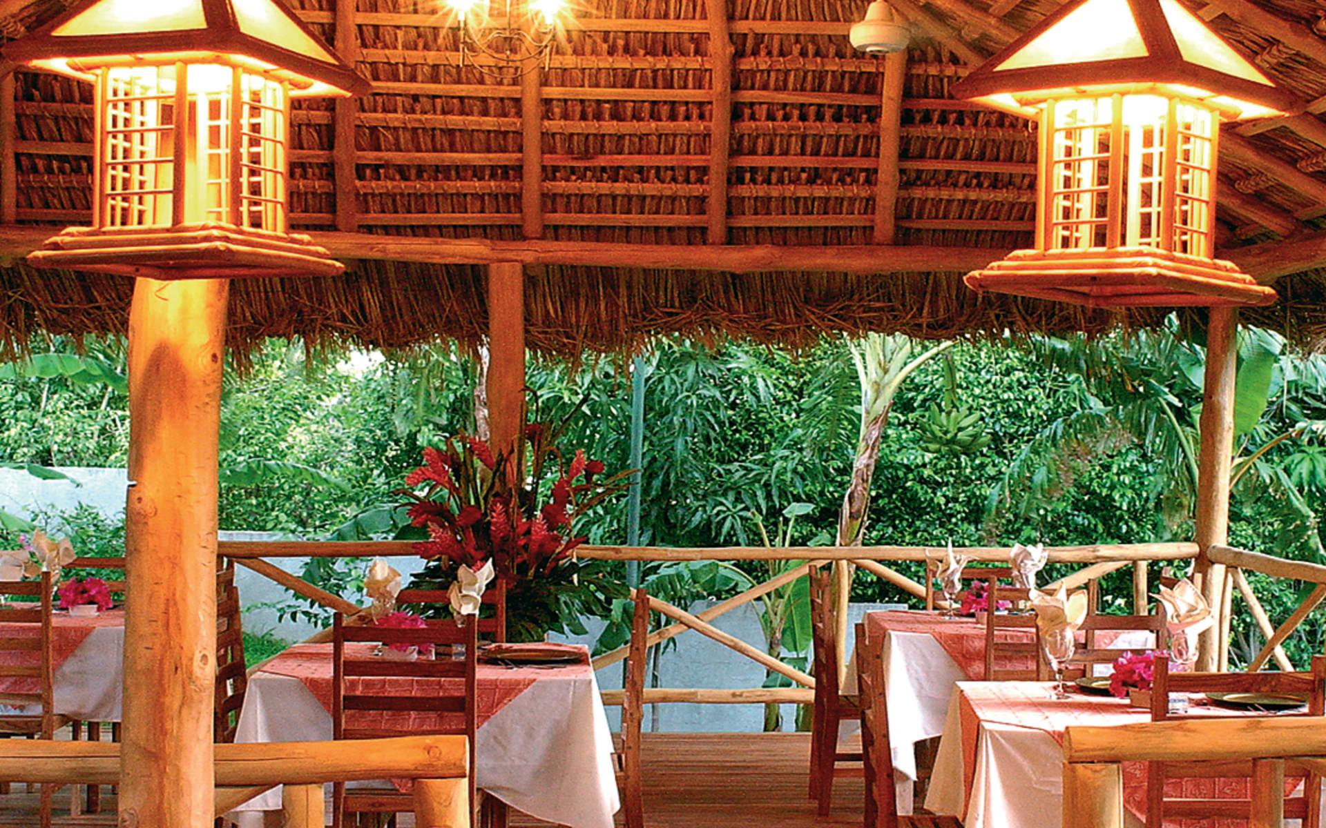 Jardin del Eden in Playa Tamarindo: facilities jardin del eden restaurant