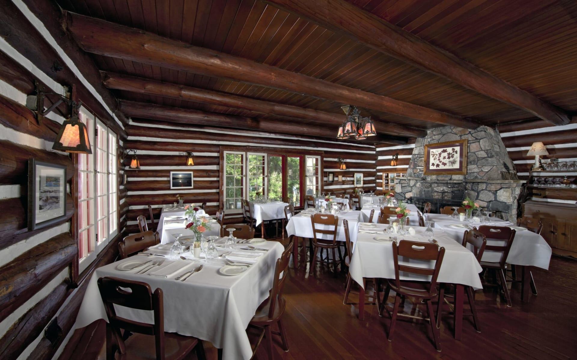 Killarney Lodge in Algonquin Provincial Park:  Killarney Lodge_DiningRoom
