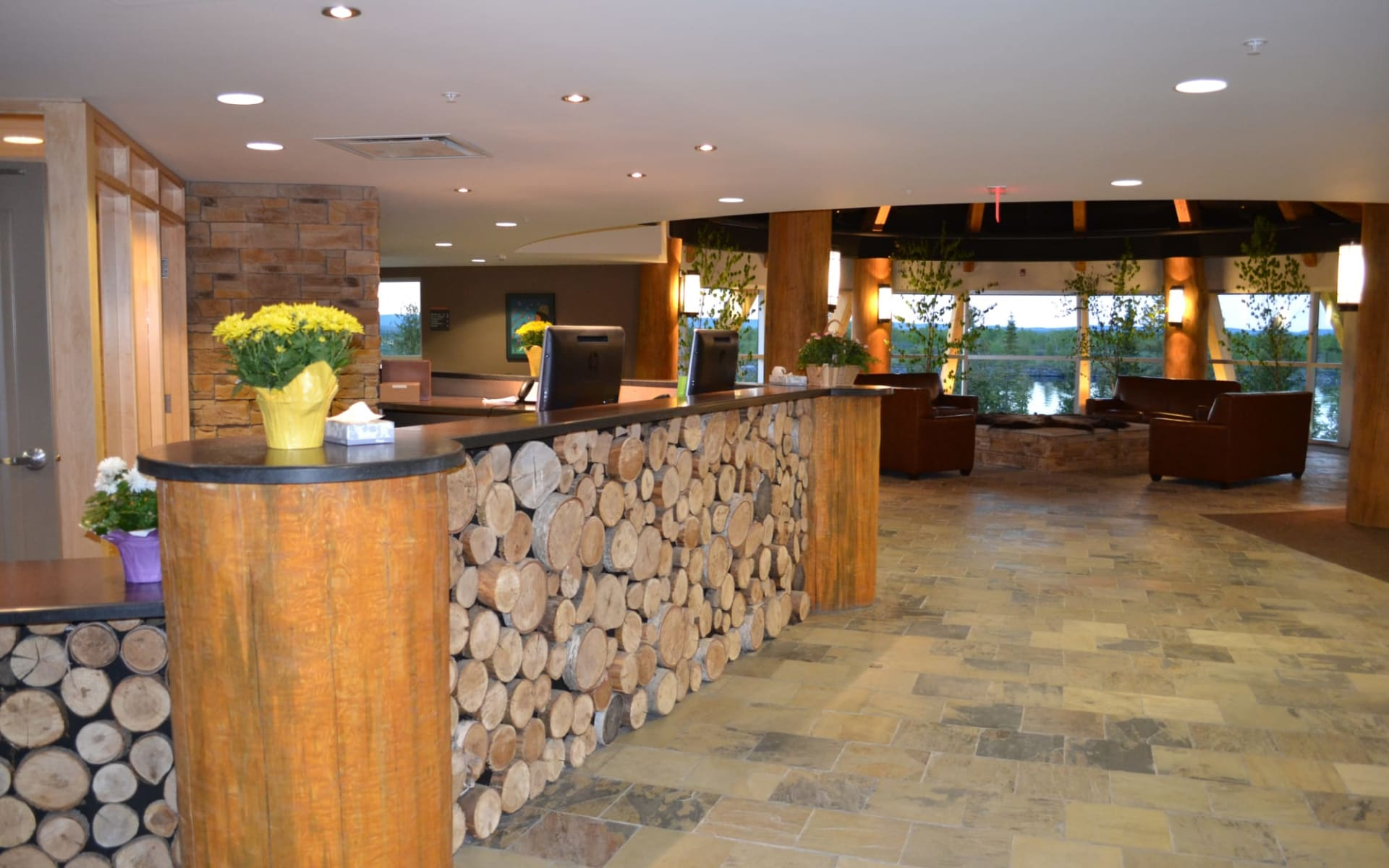 Manitoulin Hotel & Conference Centre in Little Current:  Manitoulin Island Hotel & Conference Centre_Lobby