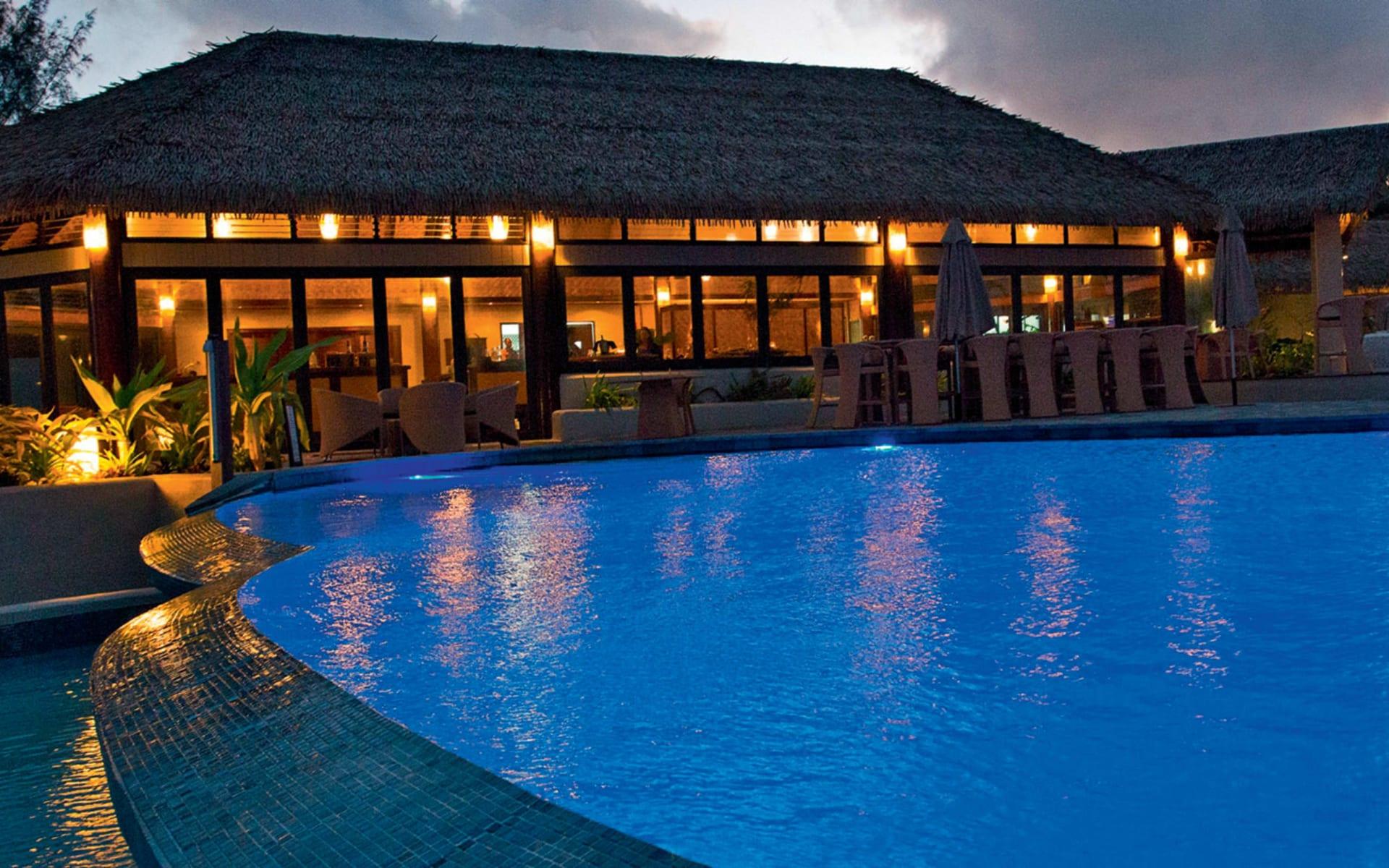 Nautilus Resort in Rarotonga:  Nautilus Resort - Restaurant und Pool