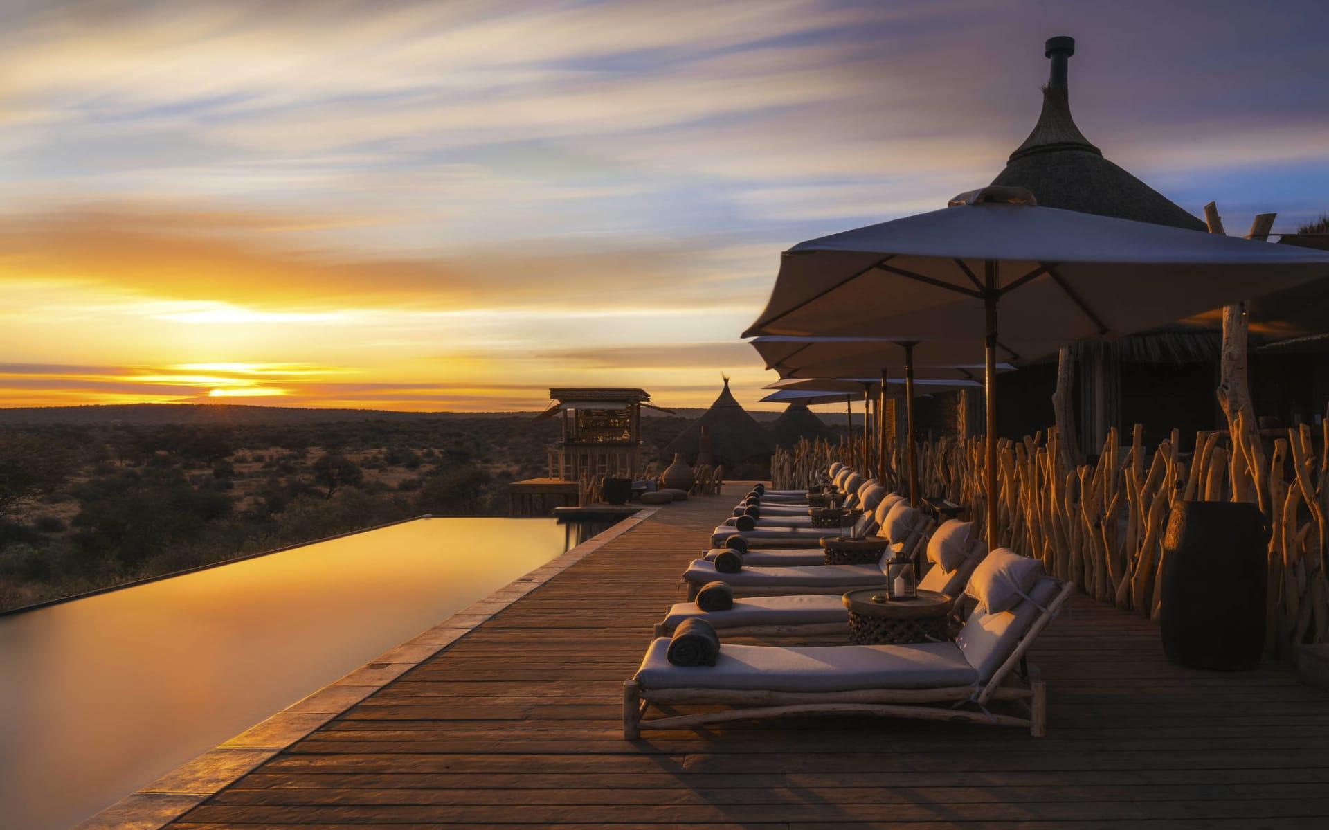 Omaanda in Windhoek Region: facilities Omaanda - Pool bei Sonnenuntergang