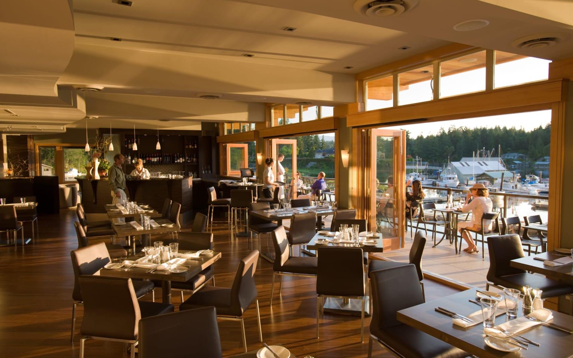 Painted Boat Resort, Spa & Marina in Madeira Park:  Painted Boat Resort_Restaurant