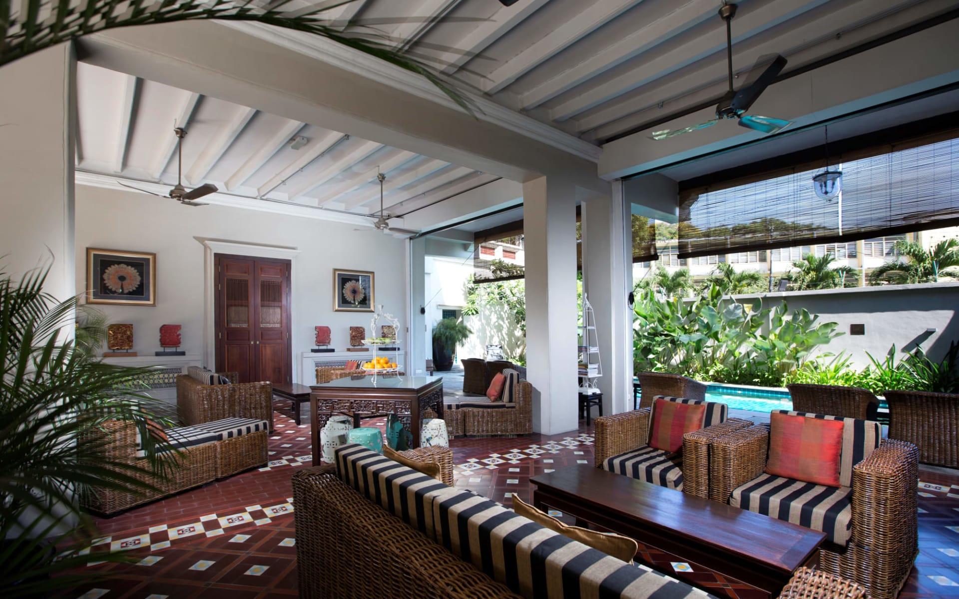 Seven Terraces in Penang: Pool Lounge