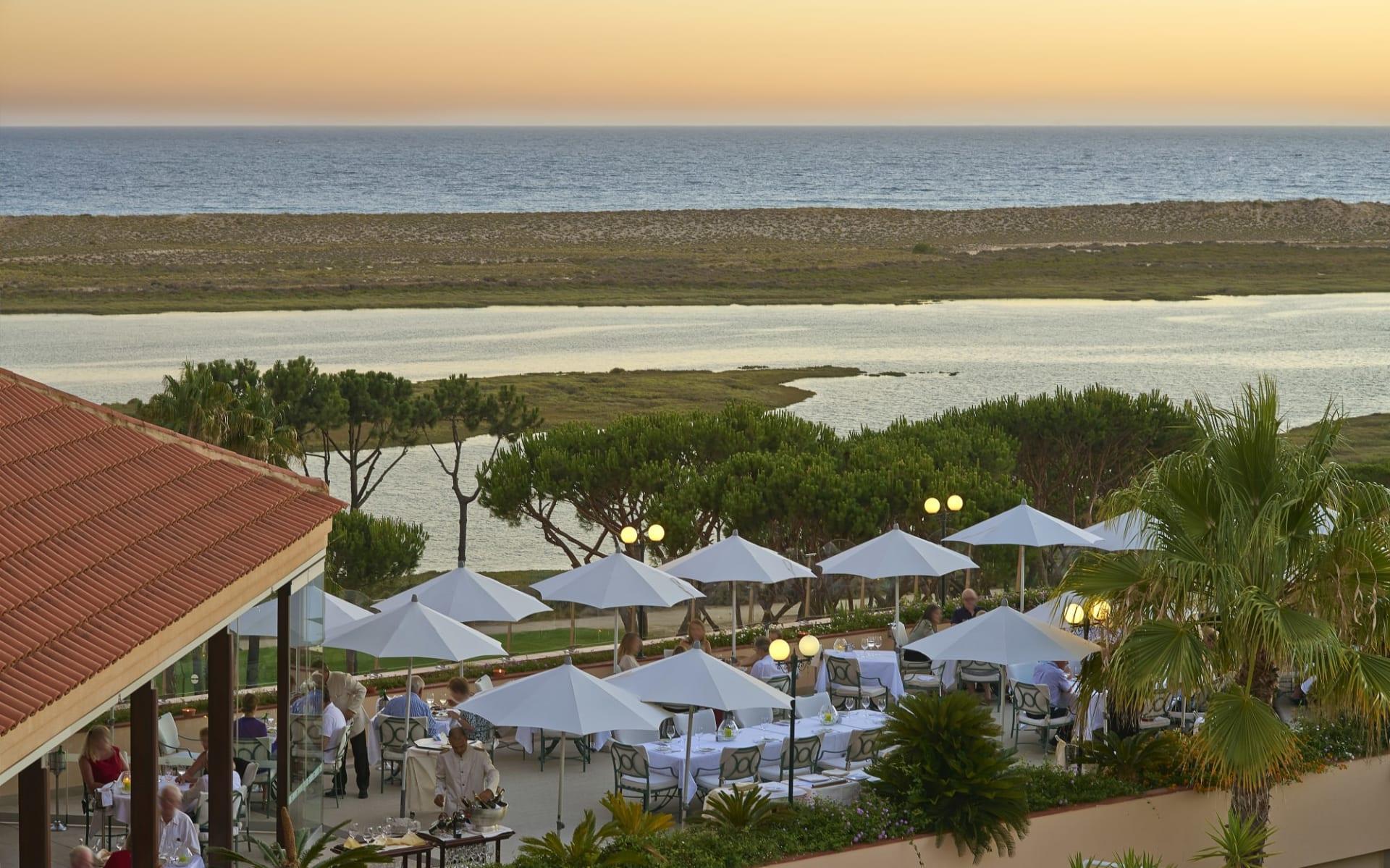 Quinta do Lago in Almancil:  Quinta do Lago - Restaurant Briso do Mar Terrasse