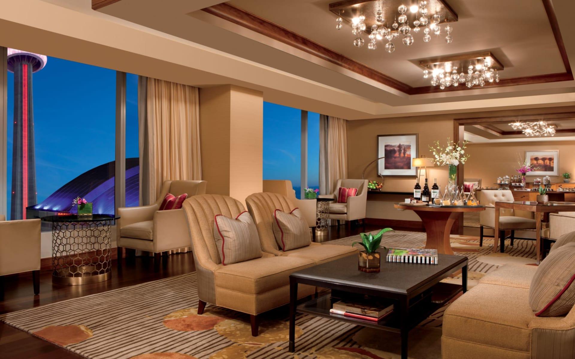 Ritz Carlton Toronto: facilities_Ritz-Carlton_ClubLounge