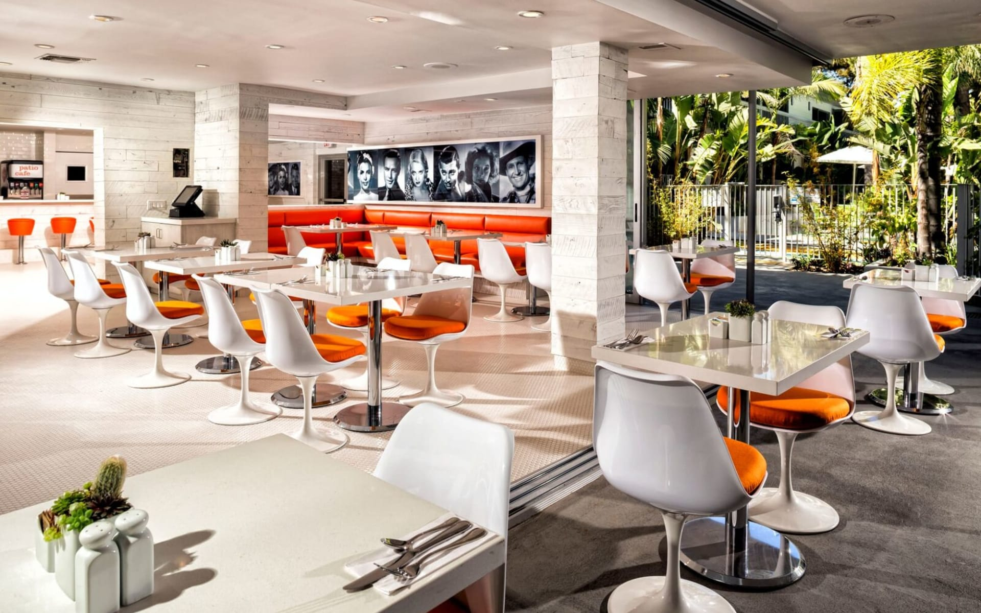 Sportsmen's Lodge Hotel in Hollywood-Studio City:  Sportsmen's Lodge - Patio Cafe