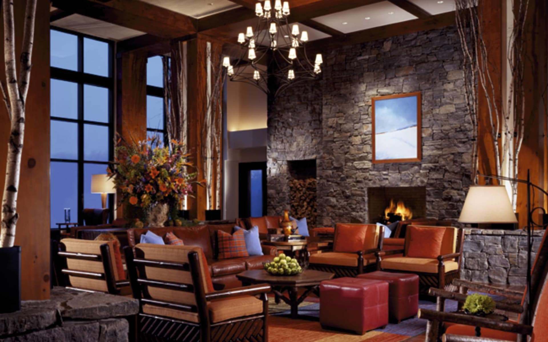The Lodge at Spruce Peak in Stowe: facilities stowe mountain lodge hocker lampe