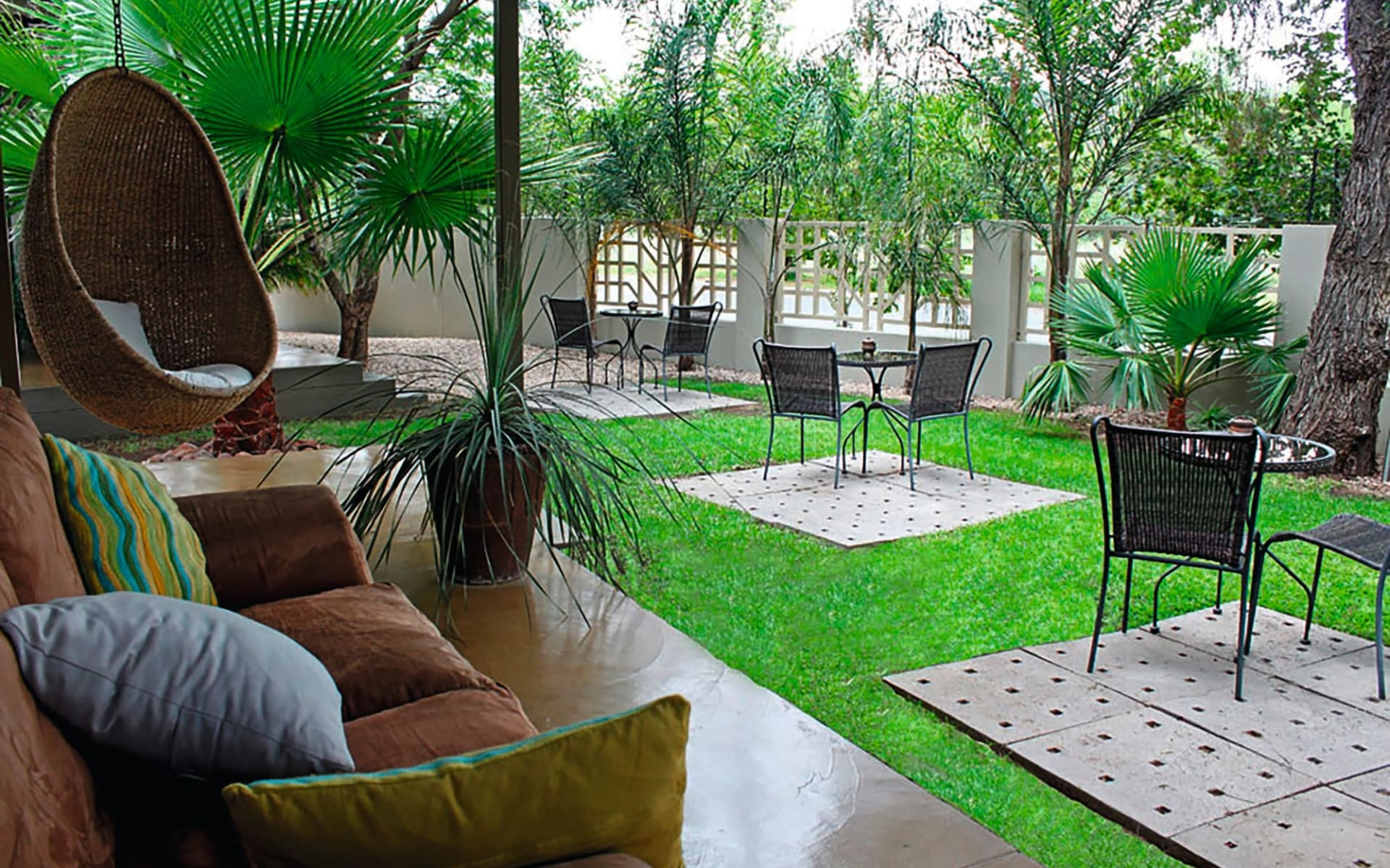 The Elegant Guesthouse in Windhoek Stadt:  The Elegant Guesthouse - Lounge