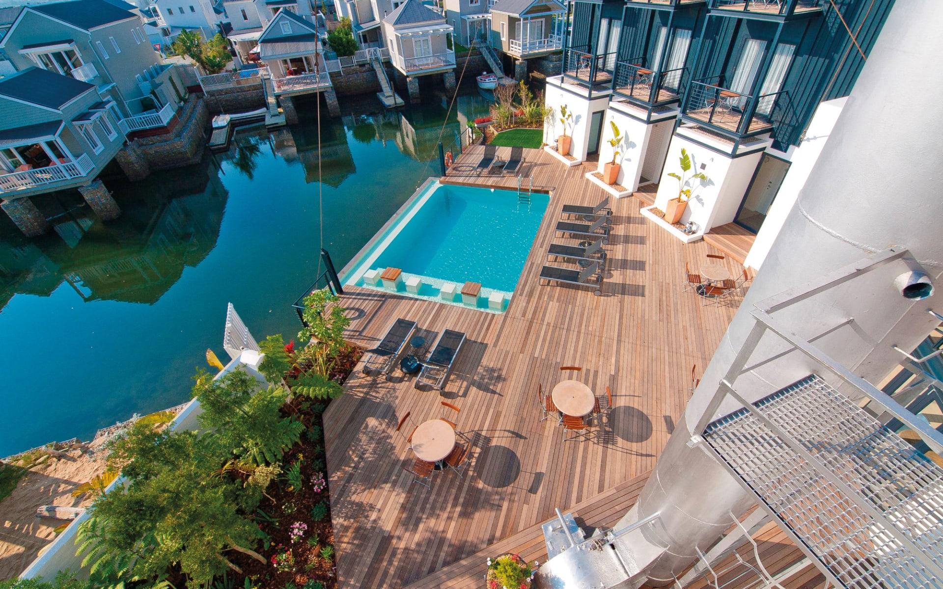 The Turbine Boutique Hotel & Spa in Knysna: facilities The Turbine Boutique Hotel - Terrasse mit Swimmingpool