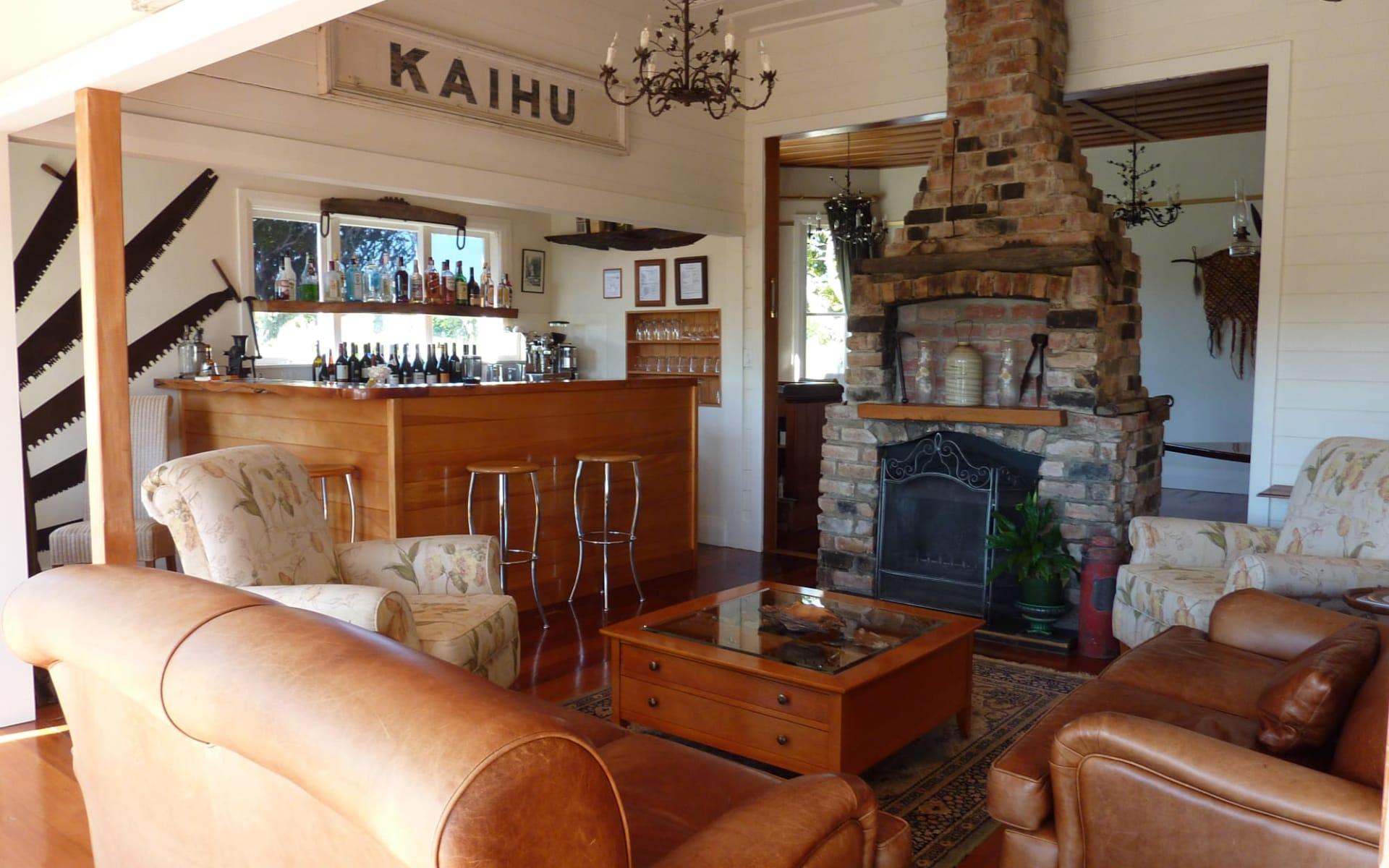 Waipoua Lodge in Dargaville:  Waipoua Lodge - fireplace
