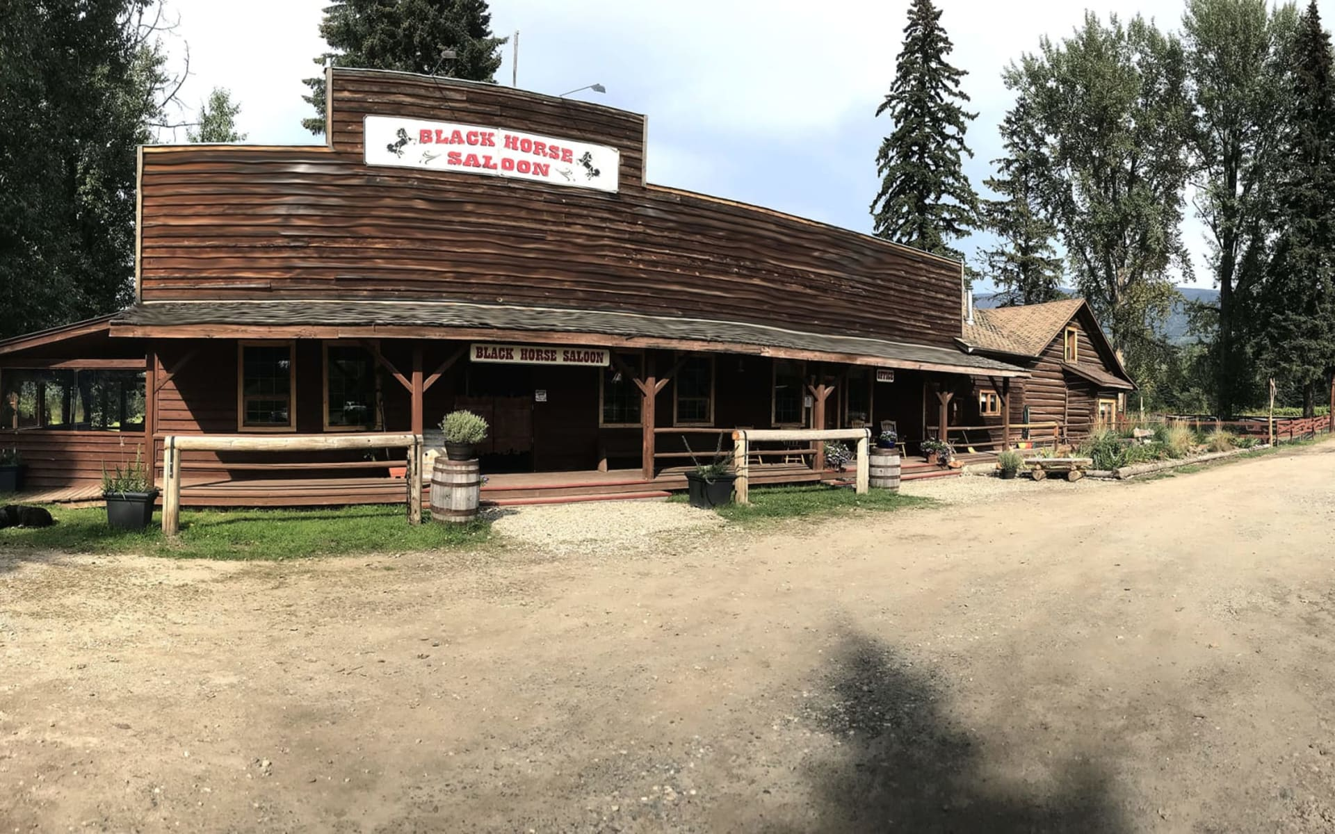 Wells Gray Guest Ranch in Clearwater: Facilities_Wells Gray Guest Ranch_Saloon_Jonview