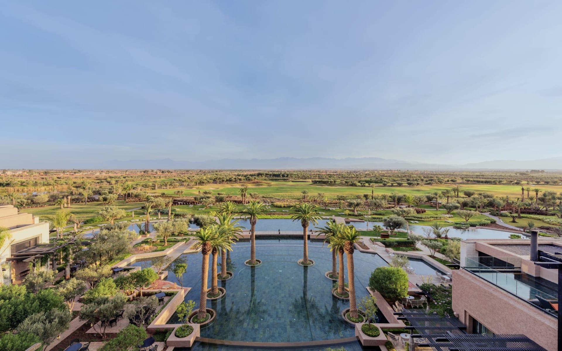Fairmont Royal Palm Marrakech in Marrakesch: Fairmont - Pool und Golfplatz von oben