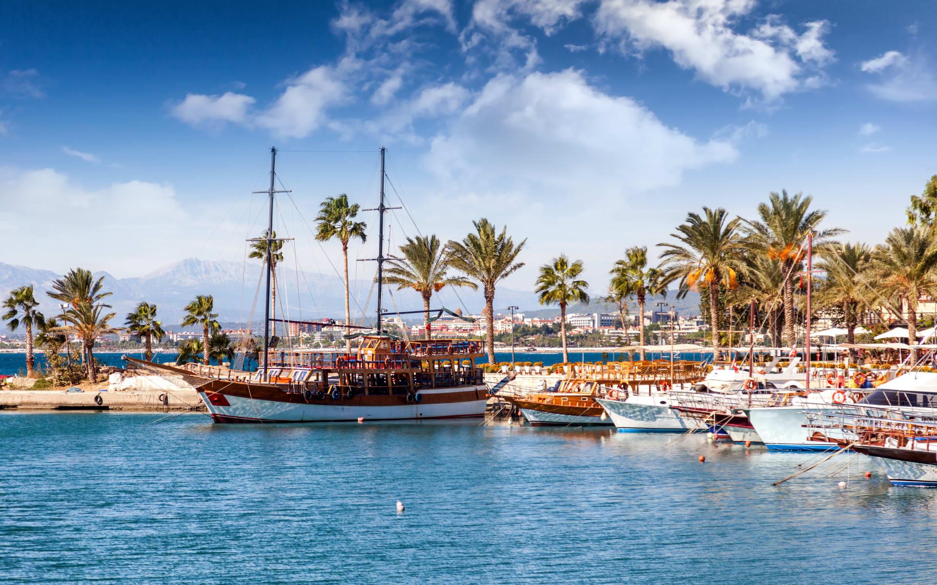 Badeferien im Ali Bey Resort ab Antalya: Hafen_Türkei