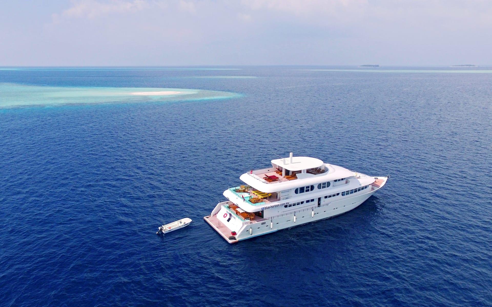 Horizon III ab Malé: Horizon III