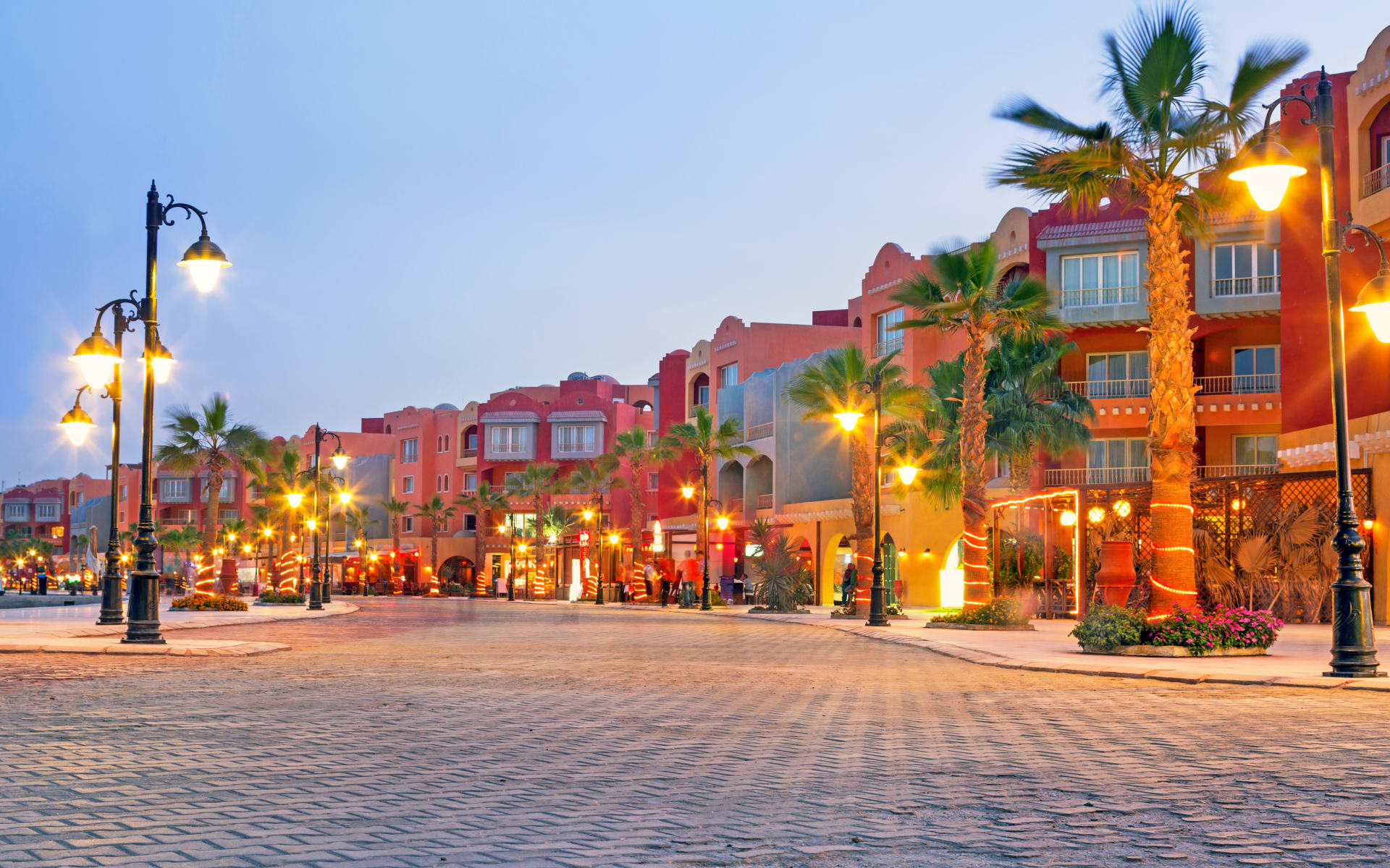 Badeferien im Steigenberger ALDAU Beach Hotel ab Hurghada: Hurghada Marina am Abend