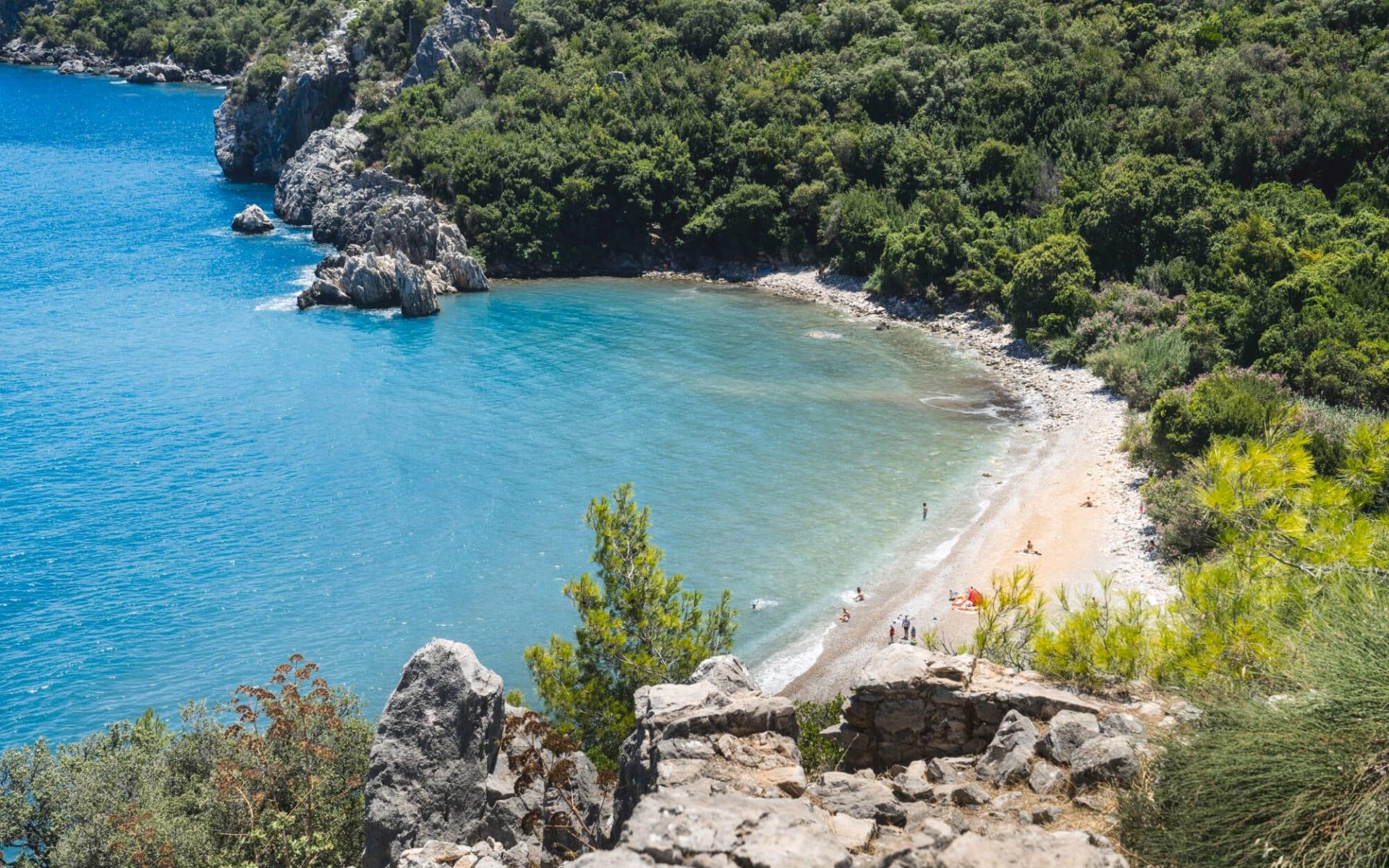 Badeferien im Güral Premier Belek ab Antalya: kleiner Strand_Türkei
