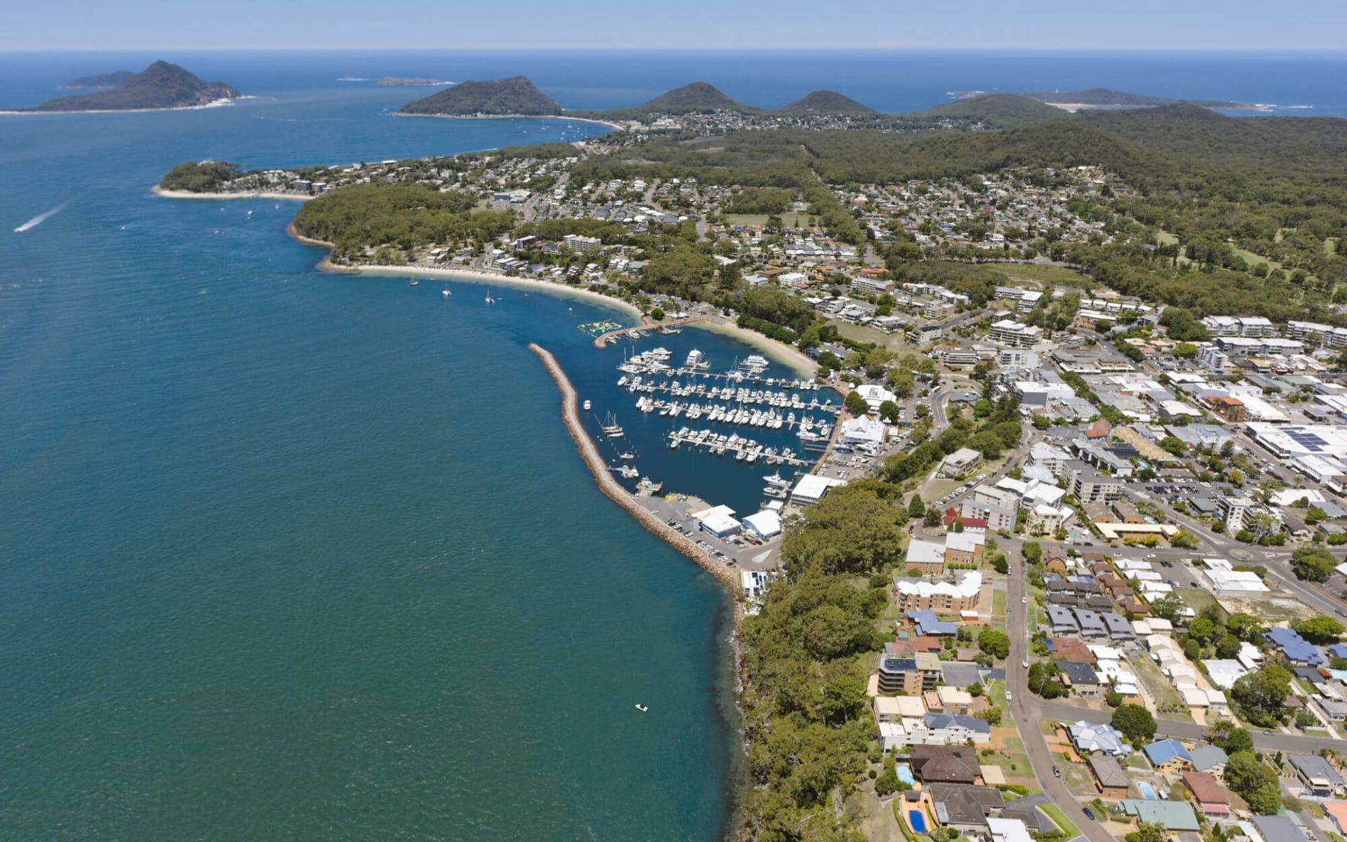 Oaks Lure in Port Stephens:  Nelson Bay Marina