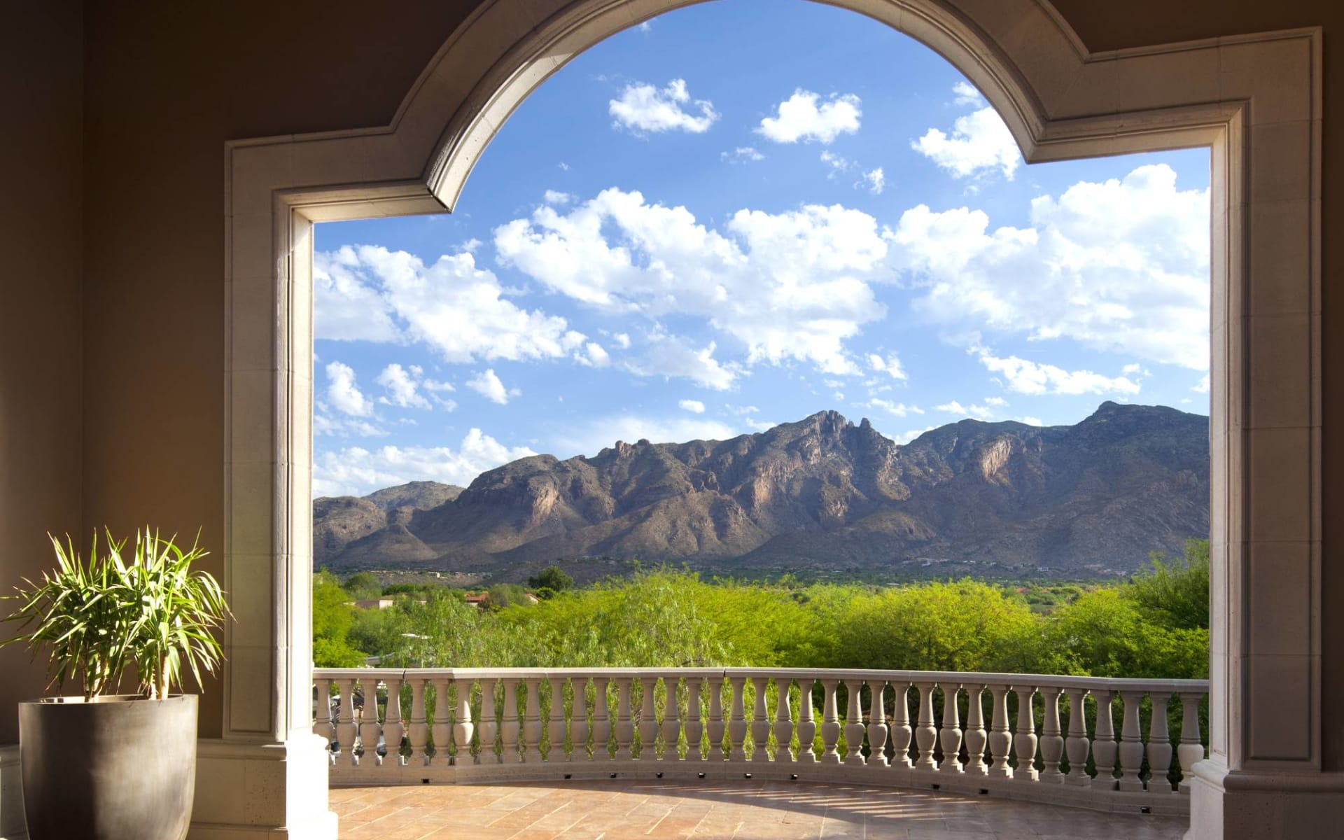 The Westin La Paloma Resort & Spa in Tucson: The Westin La Paloma Resort & Spa - Ausblick auf Berge