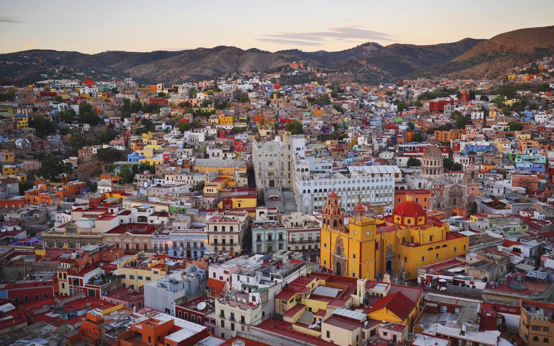 Gruppenreise Koloniales Mexiko ab Mexico City: Mexico - Guanajuato - Vogelperspektive der Stadt