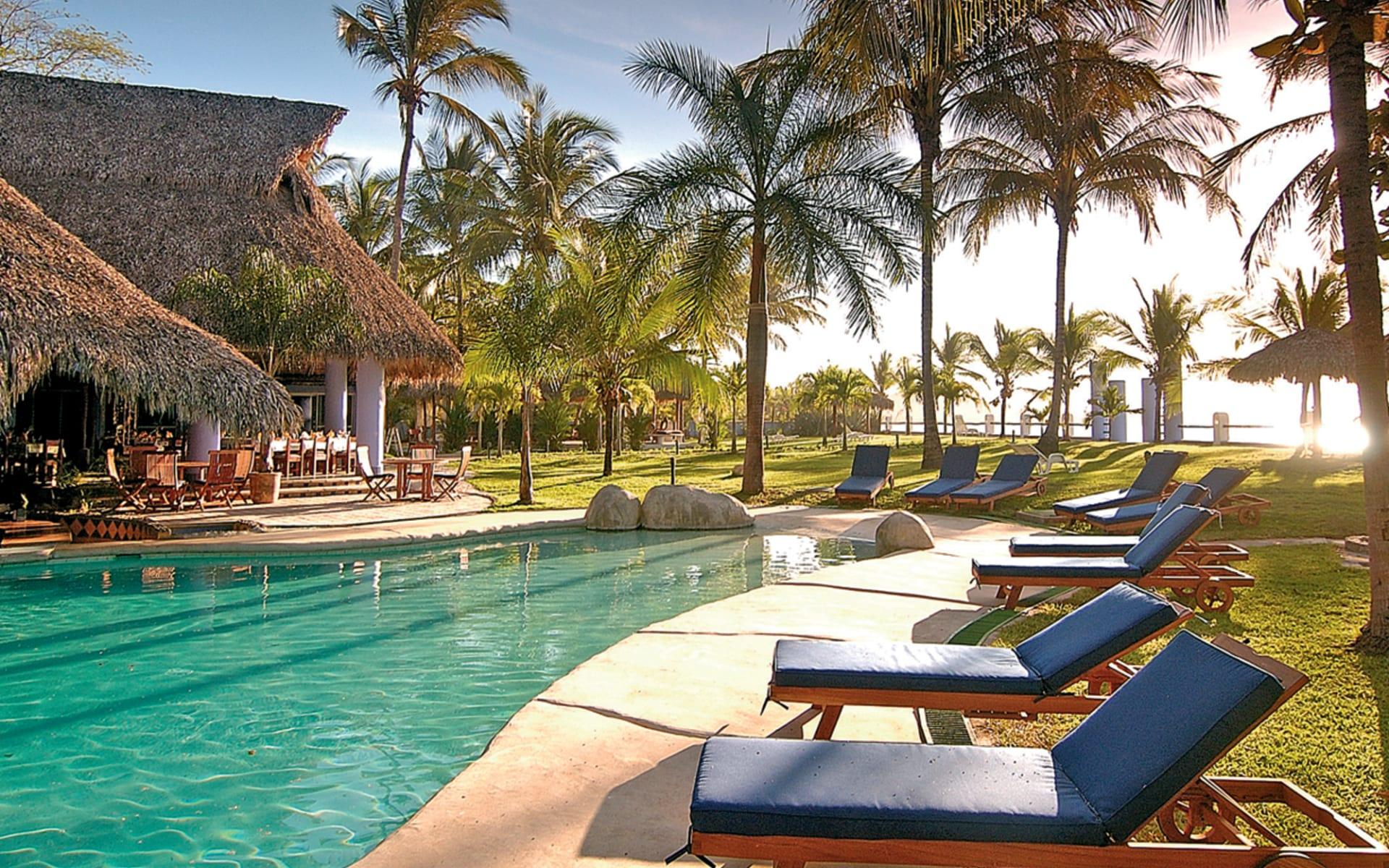 Bahia del Sol in Playa Potrero: pool bahia del sol liegestühle