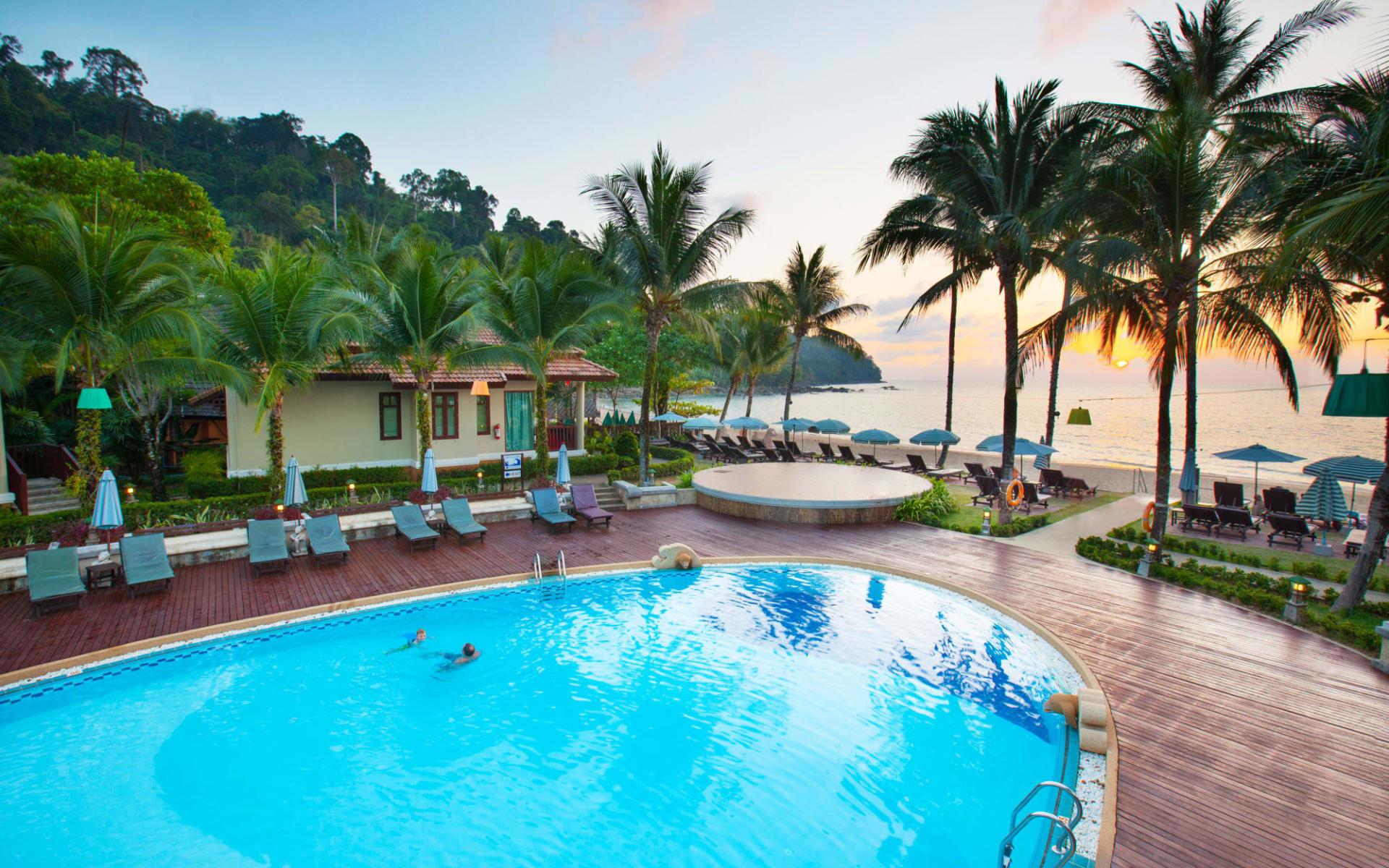 Khao Lak Bayfront Resort: Bayfront Pool