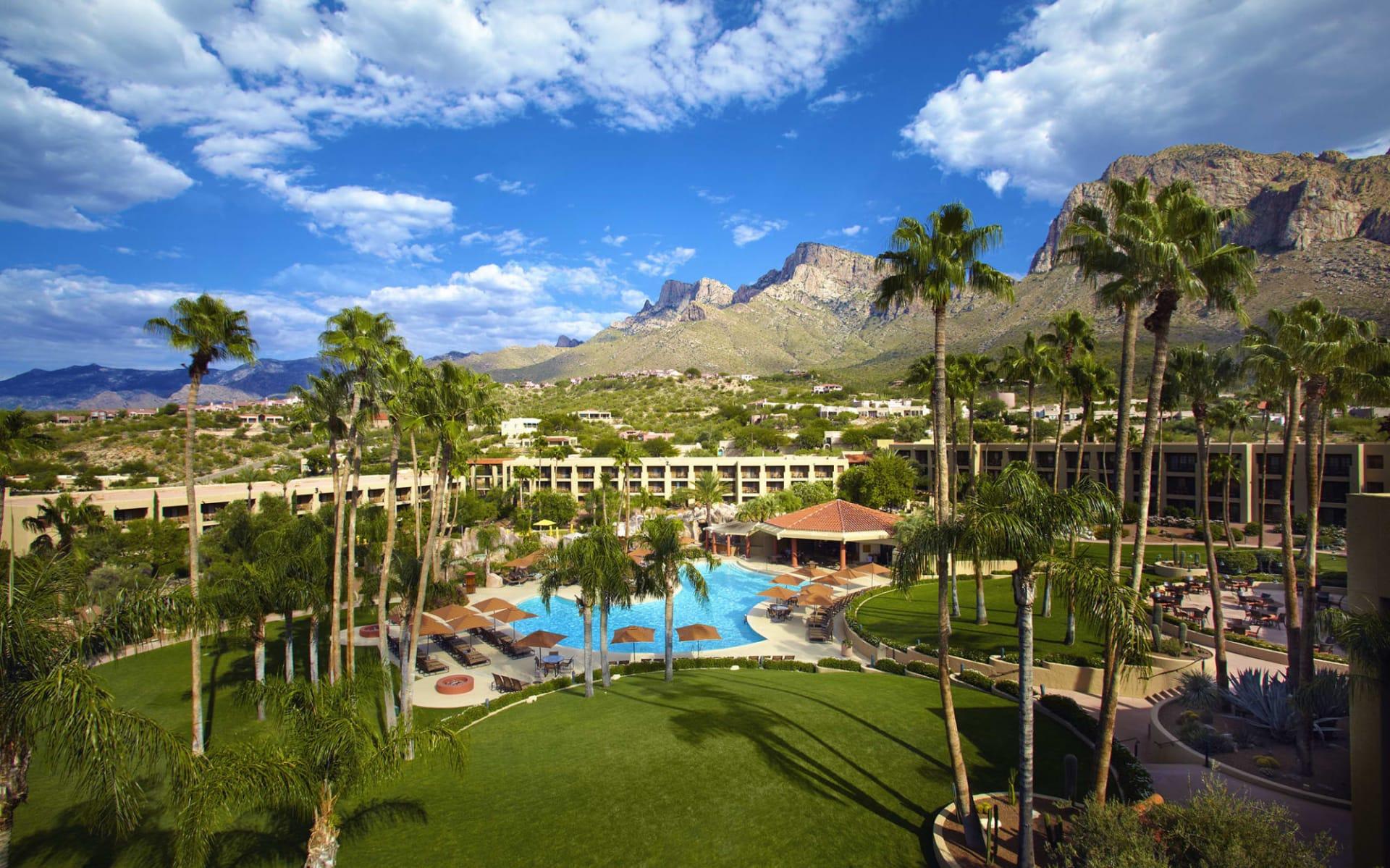 Hilton Tucson el Conquistador Resort: Hilton Tucson el Conquistador Resort - Blick auf Pool und Landschaft
