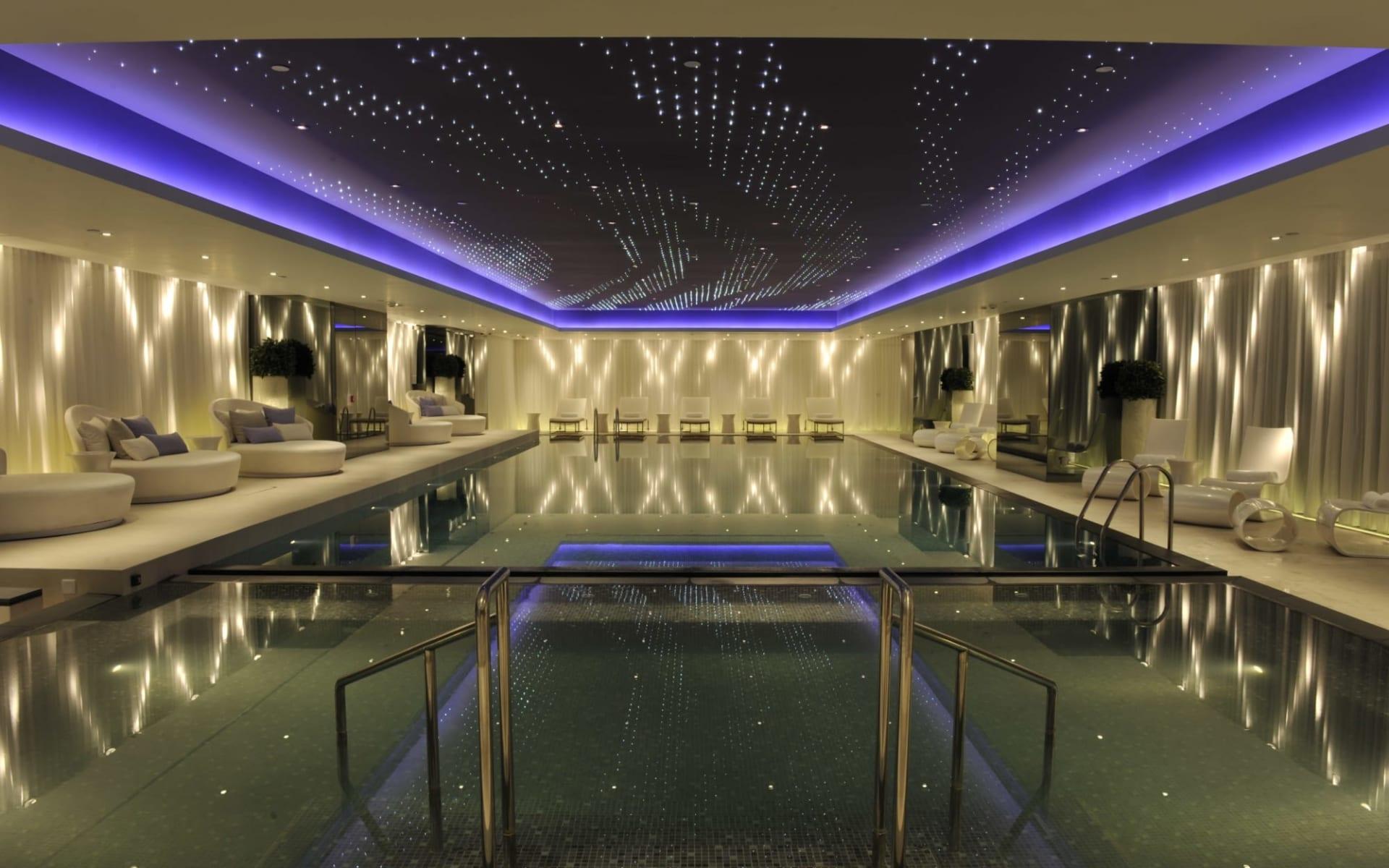 The Mira Hong Kong: Indoor pool