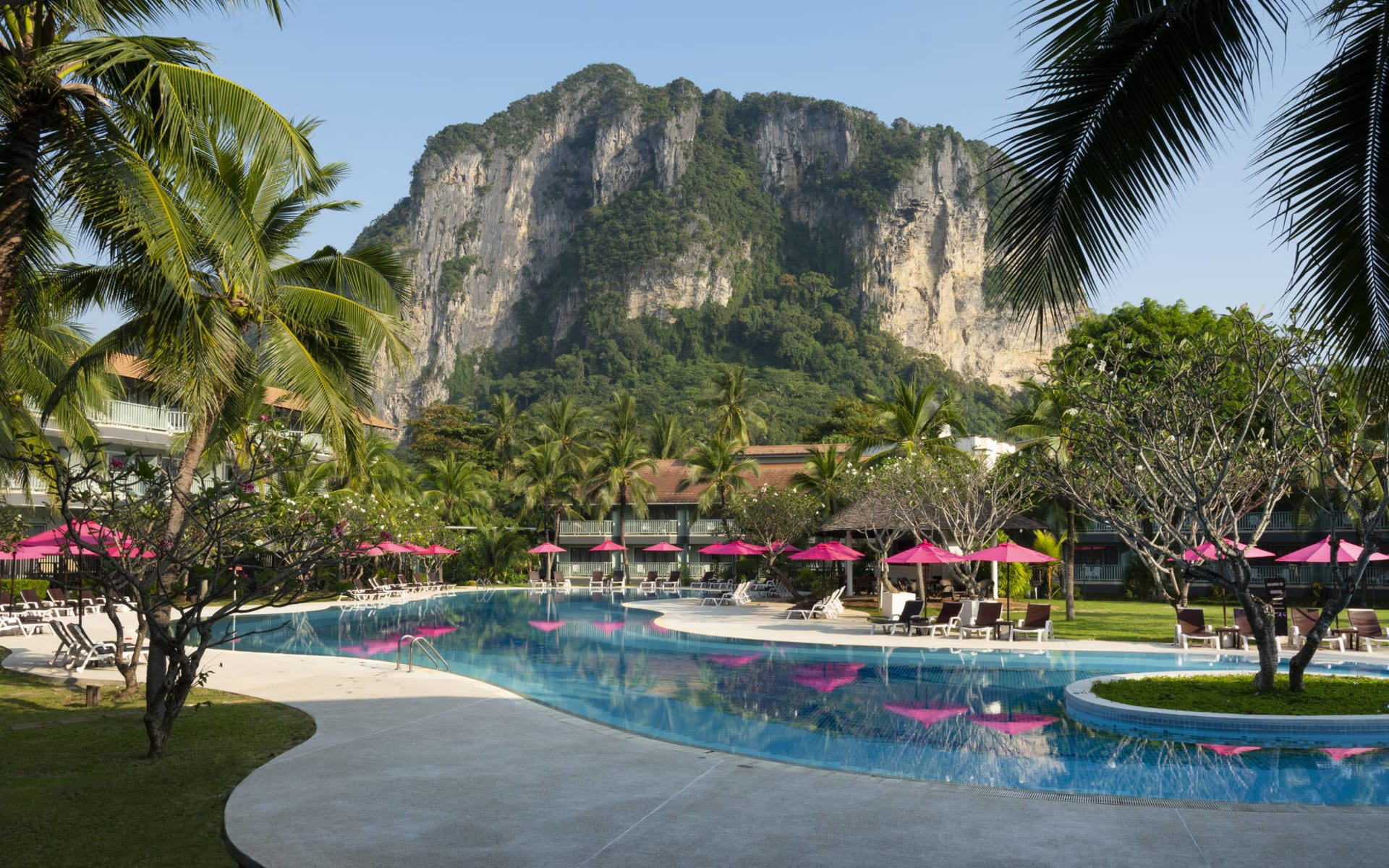 Aonang Villa in Krabi: Main Pool