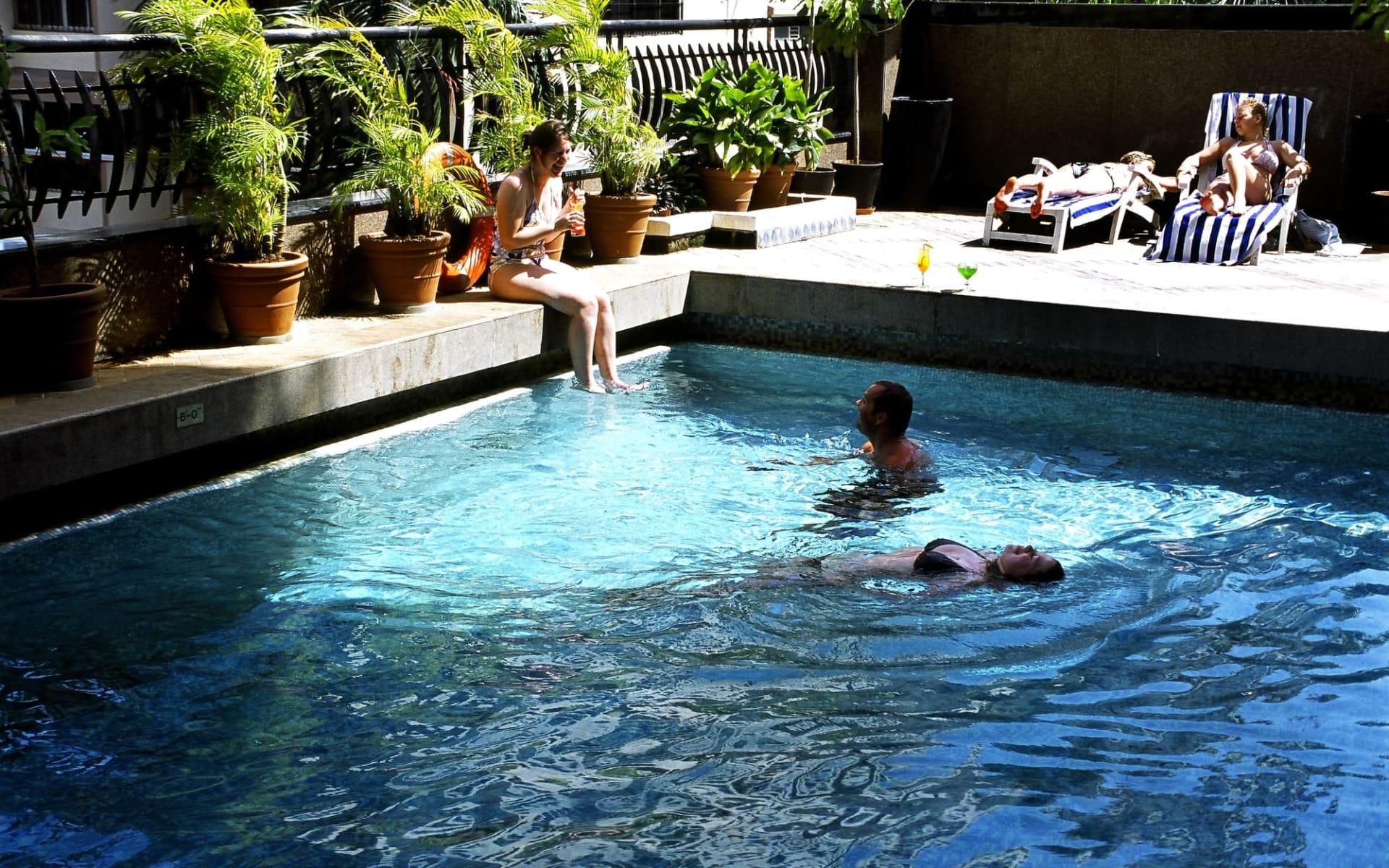 Fariyas in Mumbai: Pool