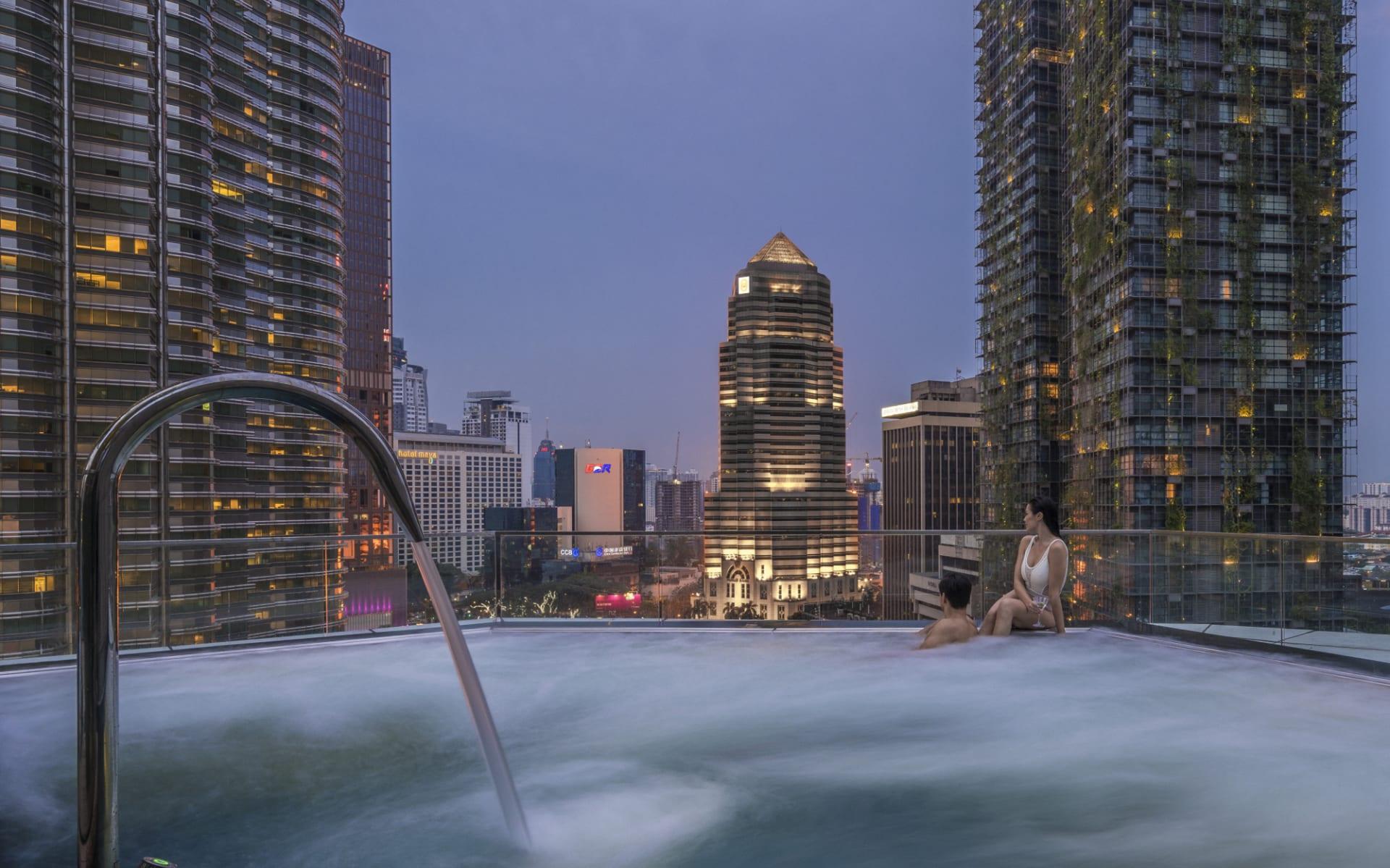 Four Seasons in Kuala Lumpur: Pool